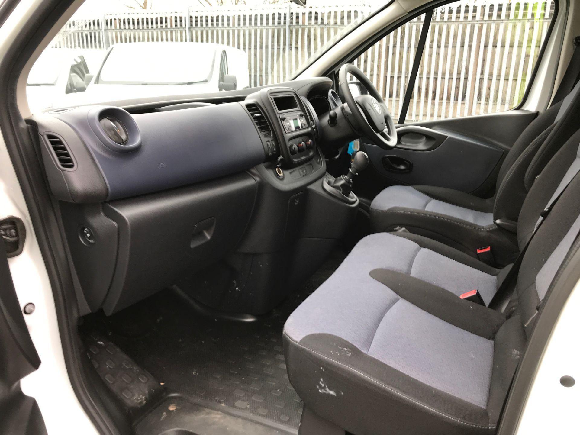 2017 Vauxhall Vivaro 2900 L2 H1 1.6BITURBO 125PS ECOFLEX 9 SEAT EURO 6 (DX17VYS) Image 12