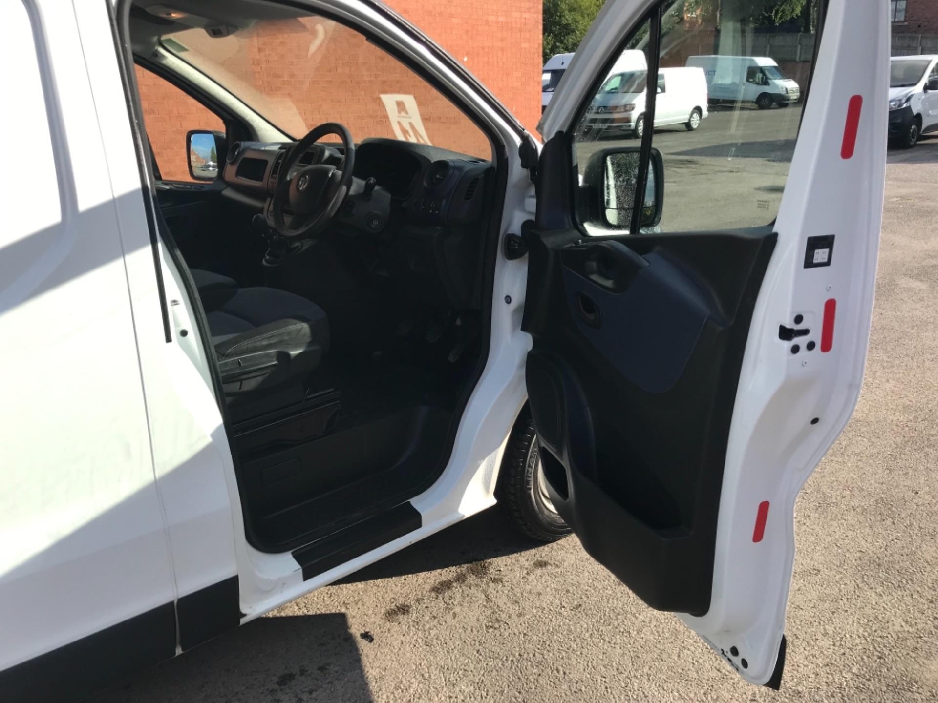 2017 Vauxhall Vivaro L2 2900 1.6Cdti 120Ps H1 Van EURO 6 (SPEED LIMITED TO 68MPH) (DX17VZB) Image 10