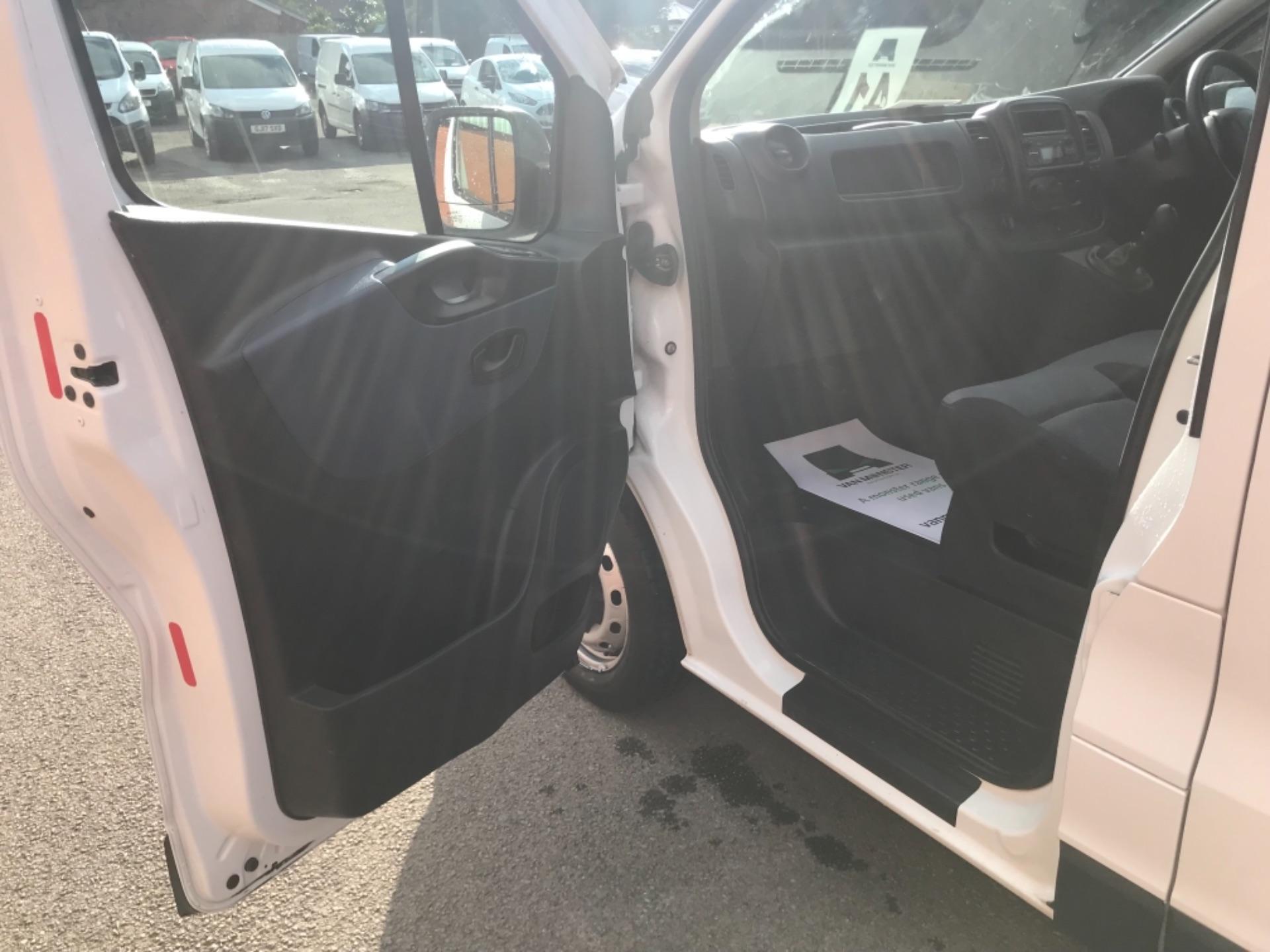 2017 Vauxhall Vivaro L2 2900 1.6Cdti 120Ps H1 Van EURO 6 (SPEED LIMITED TO 68MPH) (DX17VZB) Image 22