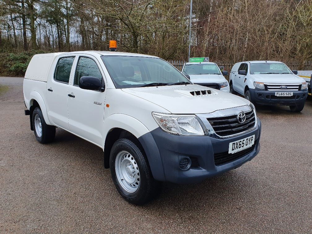 2015 Toyota Hilux DOUBLE CAB PICK UP 2.5 D-4D 4WD ACTIVE EURO 5 (DX65OYP)