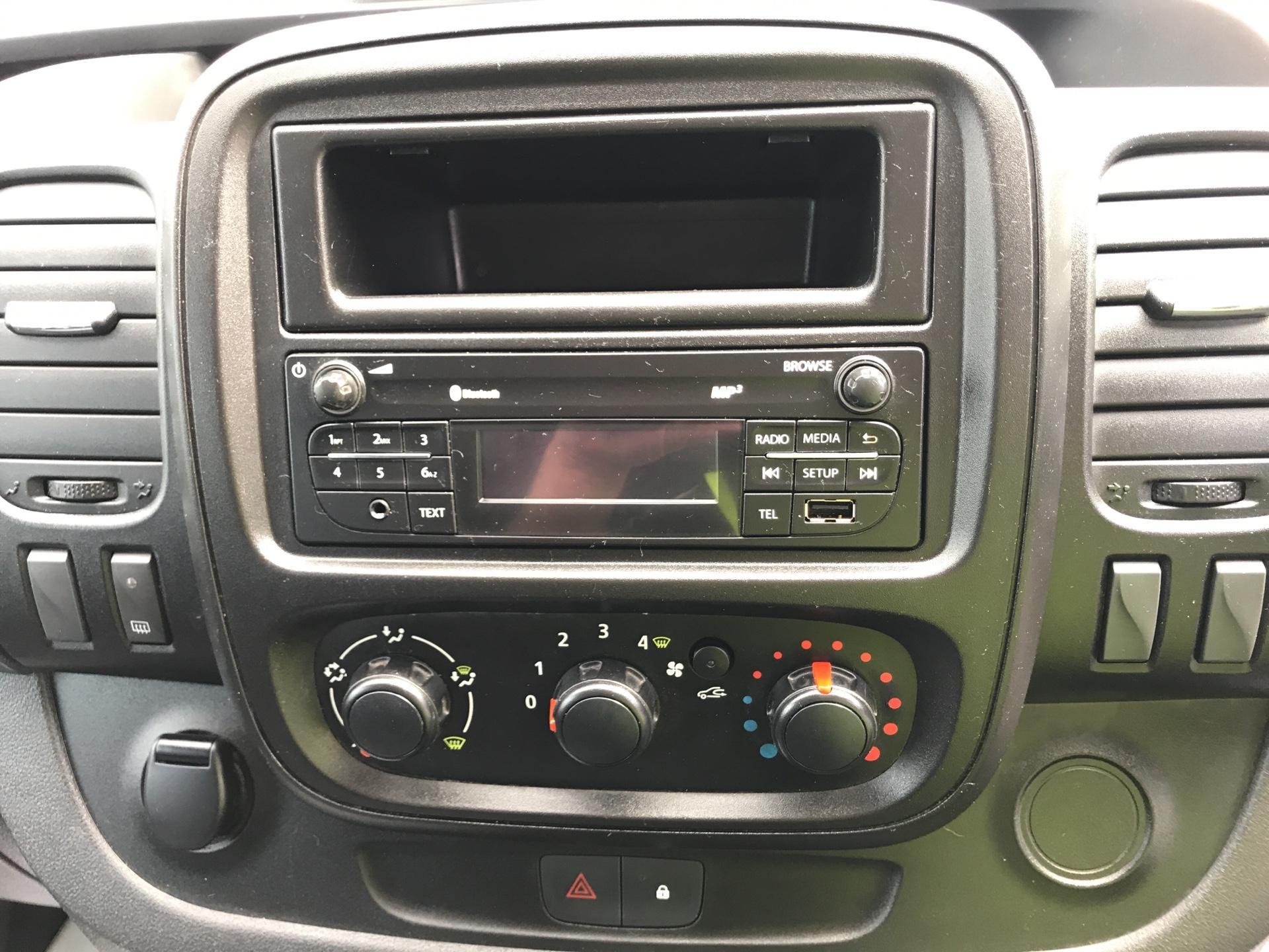 2015 Vauxhall Vivaro 2900 1.6Cdti 115Ps H1 Doublecab Euro 5 (DX65UAM) Image 10
