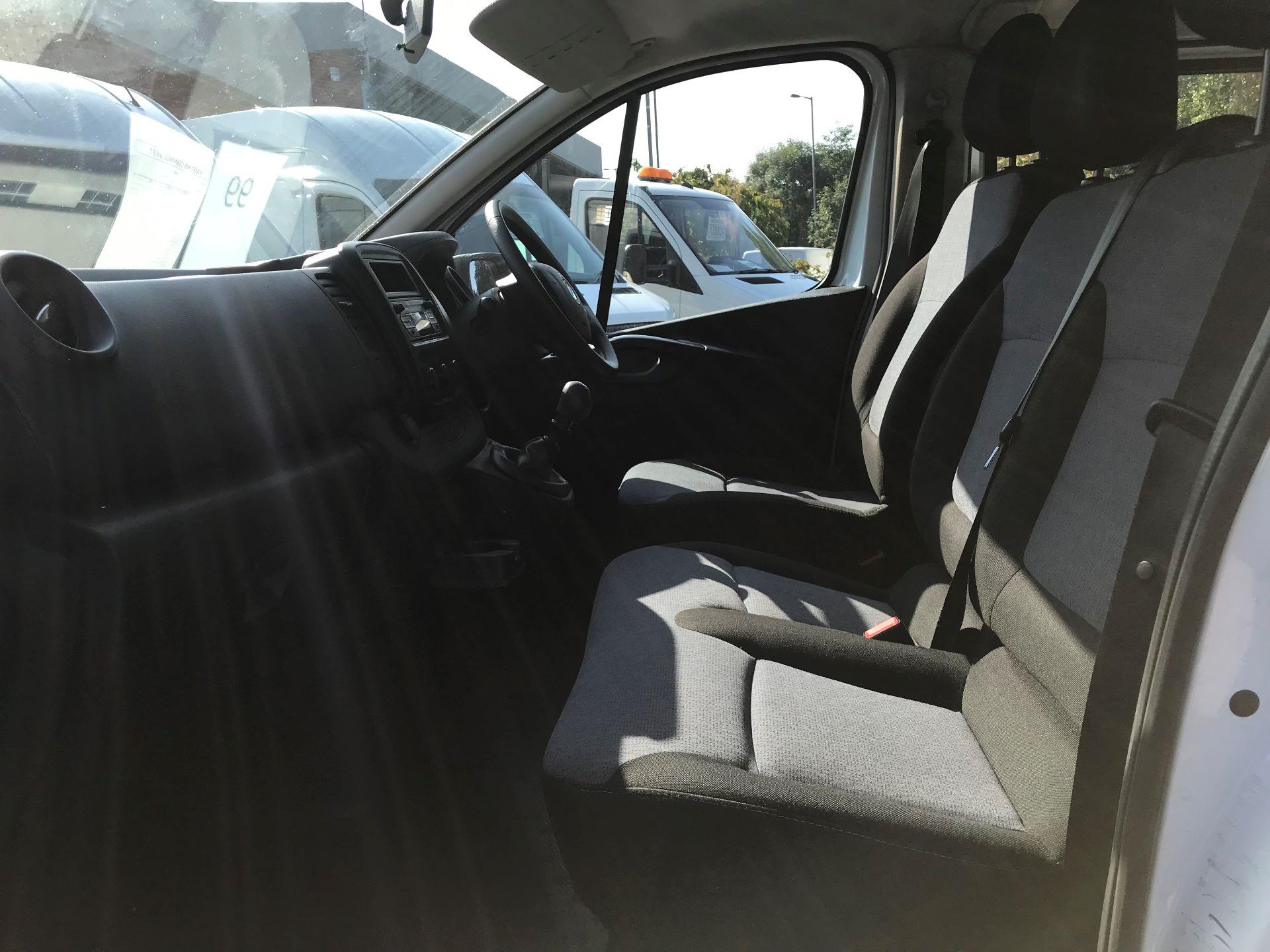 2015 Vauxhall Vivaro  L2 H1 2900 1.6 115PS COMBI 9 SEAT EURO 5 (DX65UBJ) Image 19
