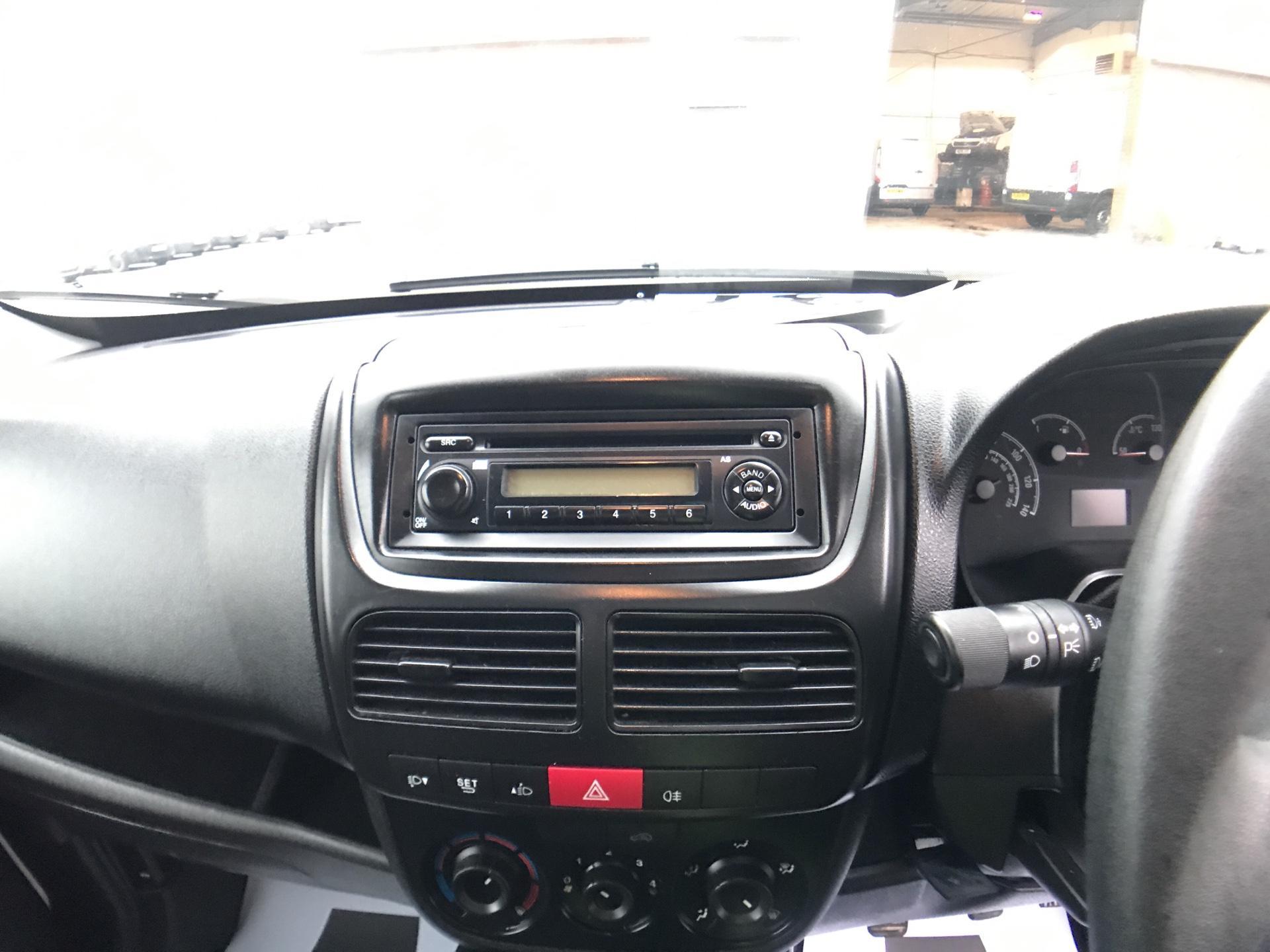 2015 Vauxhall Combo L1 H1 2000 1.3 16V  EURO 5 (DX65UEJ) Image 10