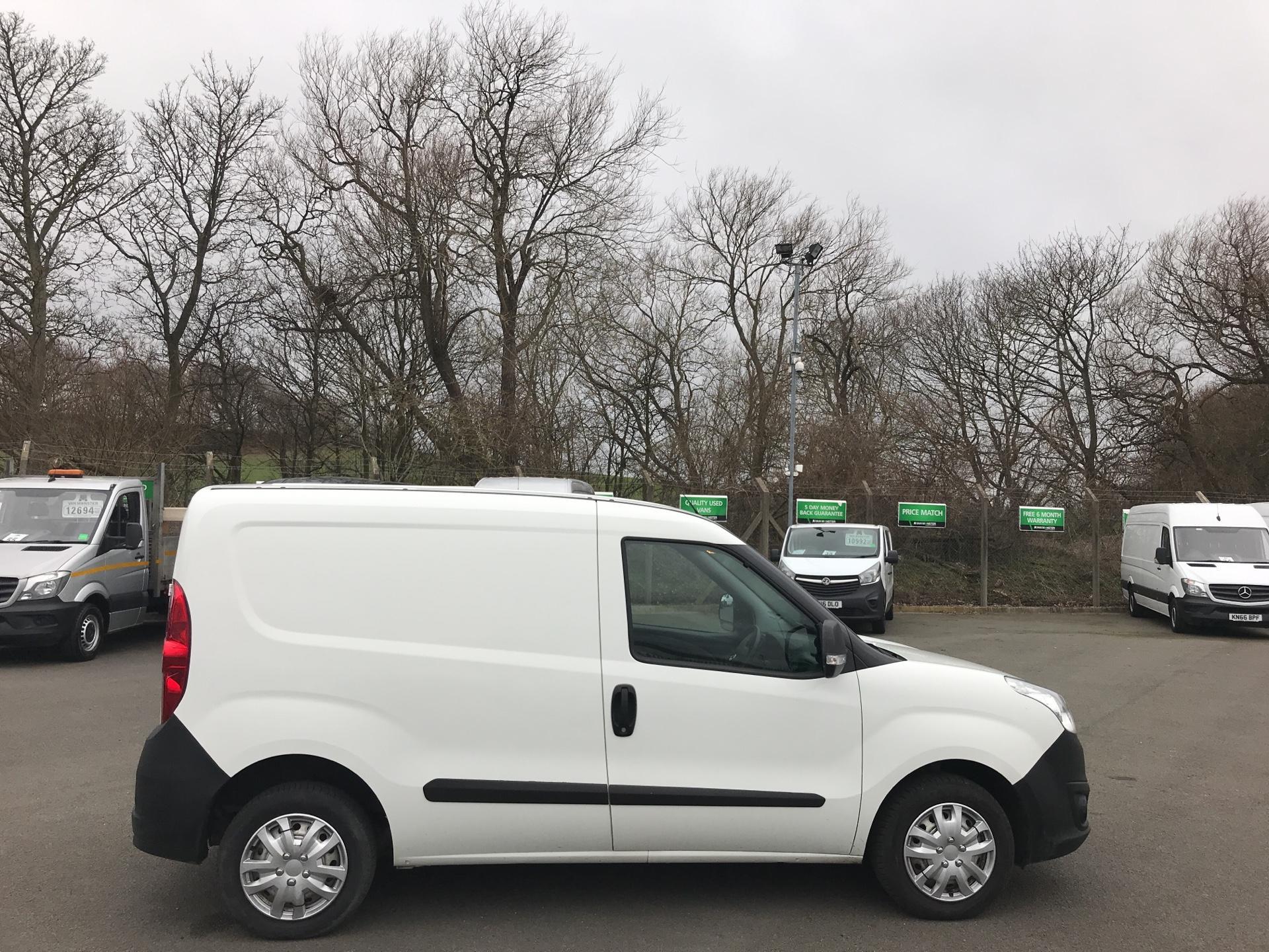2015 Vauxhall Combo  L1 H1 2000 1.3 16V  EURO 5 (DX65UEL) Image 2