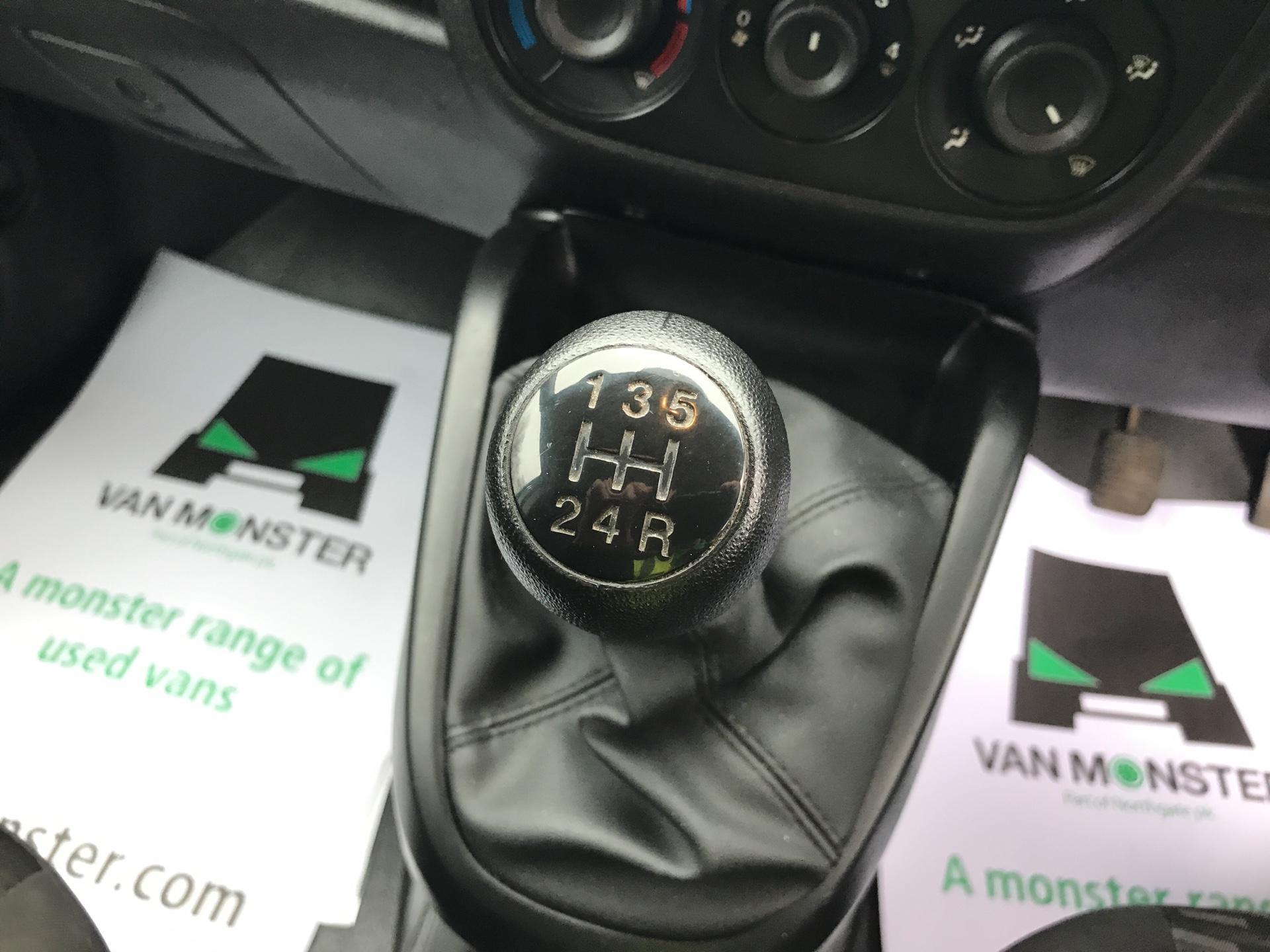 2015 Vauxhall Combo  L1 H1 2000 1.3 16V  EURO 5 (DX65UEL) Image 11