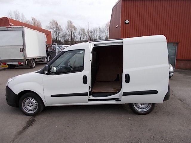 2015 Vauxhall Combo  L1 H1 2000 1.3 16V  EURO 5 (DX65WOY) Image 10