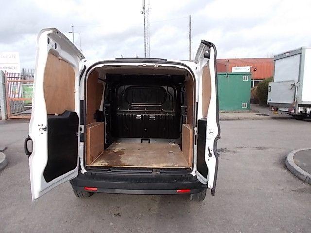 2015 Vauxhall Combo  L1 H1 2000 1.3 16V  EURO 5 (DX65WOY) Image 7