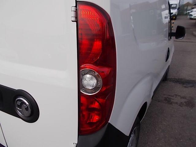 2015 Vauxhall Combo  L1 H1 2000 1.3 16V  EURO 5 (DX65WOY) Image 23