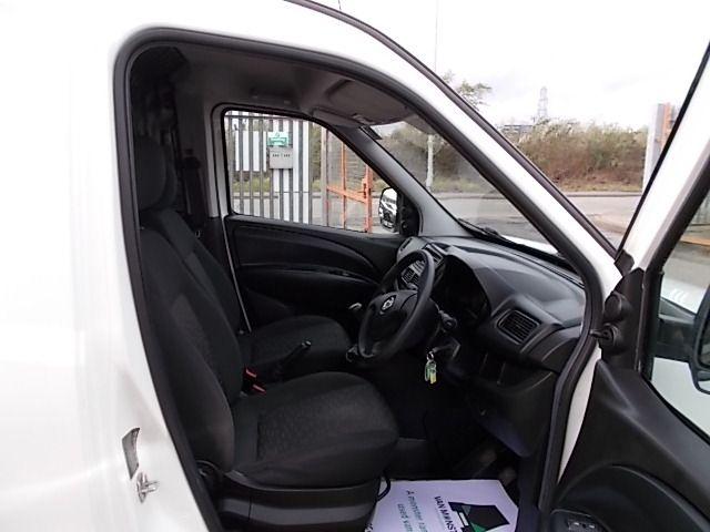 2015 Vauxhall Combo  L1 H1 2000 1.3 16V  EURO 5 (DX65WOY) Image 13