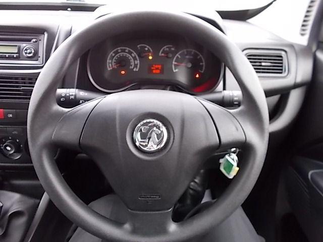 2015 Vauxhall Combo  L1 H1 2000 1.3 16V  EURO 5 (DX65WOY) Image 15