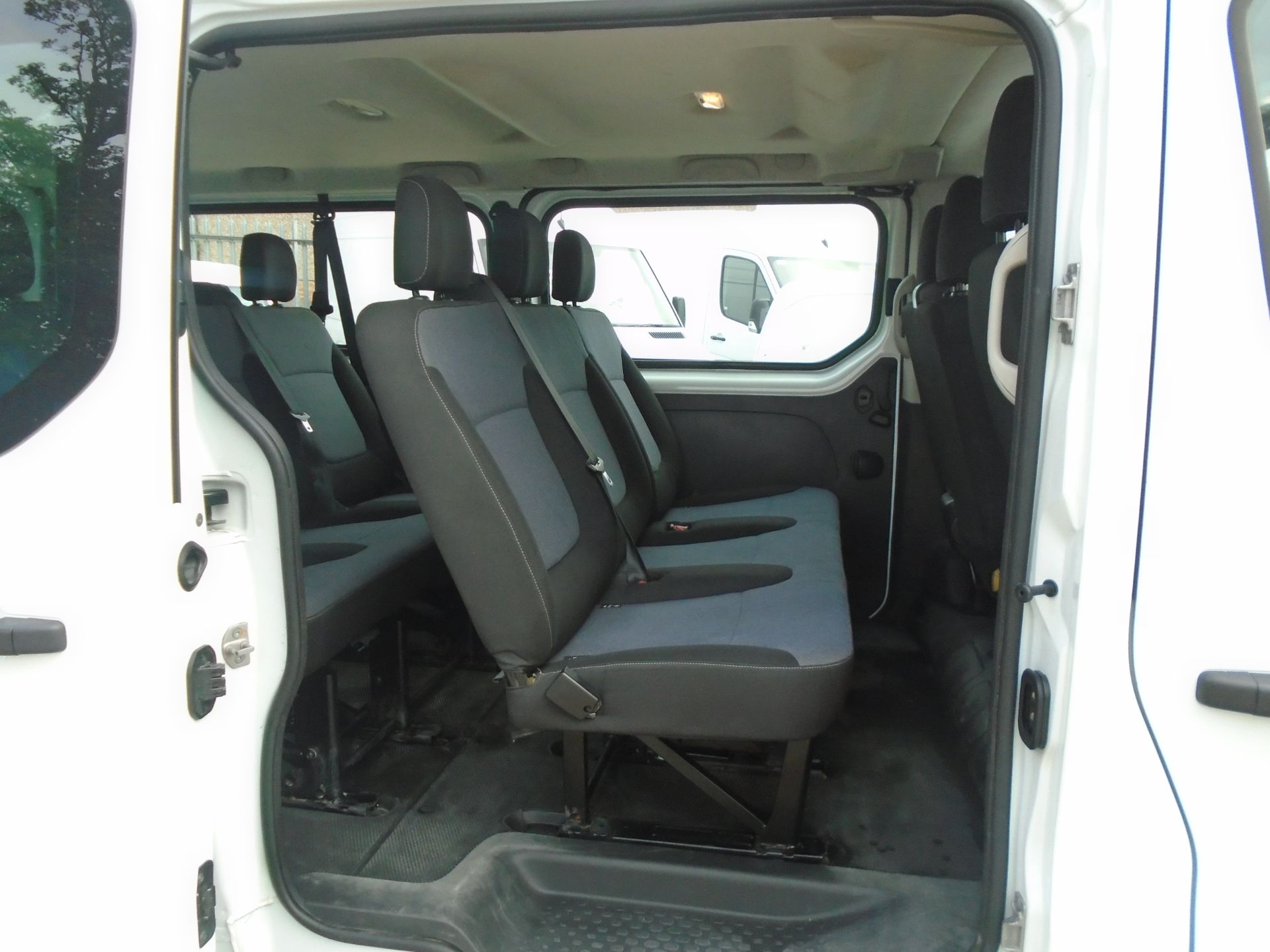 2015 Vauxhall Vivaro 2900 1.6Cdti 115Ps H1 Combi 9 Seat (DX65WTV) Image 9