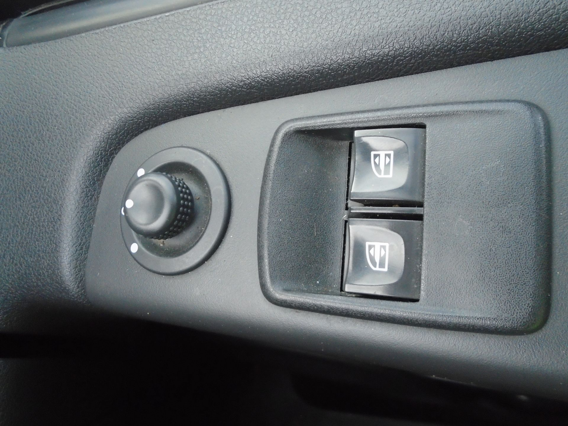 2015 Vauxhall Vivaro 2900 1.6Cdti 115Ps H1 Combi 9 Seat (DX65WTV) Image 23