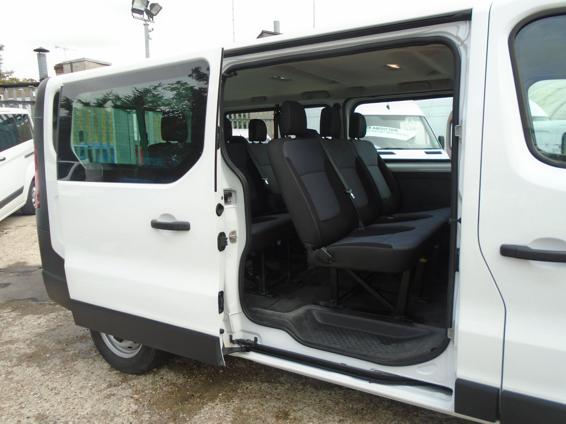2015 Vauxhall Vivaro 2900 1.6Cdti 115Ps H1 Combi 9 Seat (DX65WTV) Image 8