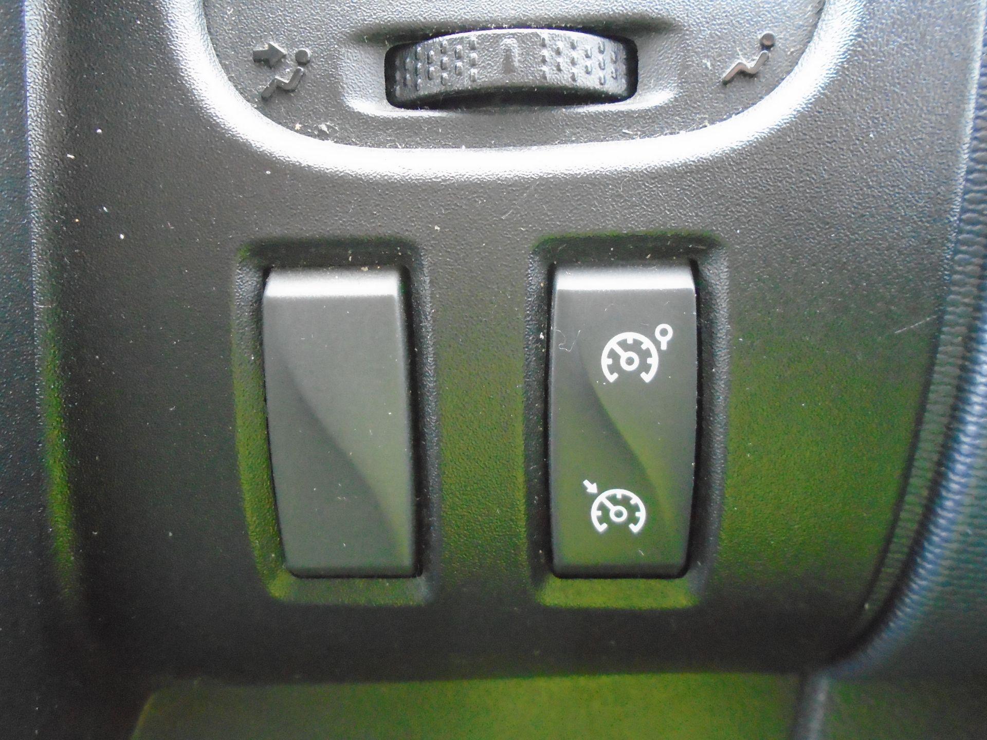 2015 Vauxhall Vivaro 2900 1.6Cdti 115Ps H1 Combi 9 Seat (DX65WTV) Image 28