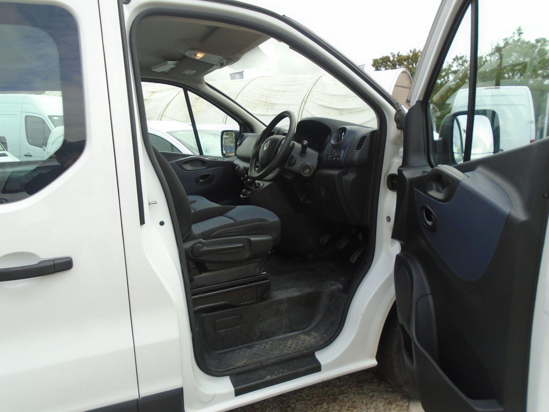 2015 Vauxhall Vivaro 2900 1.6Cdti 115Ps H1 Combi 9 Seat (DX65WTV) Image 19