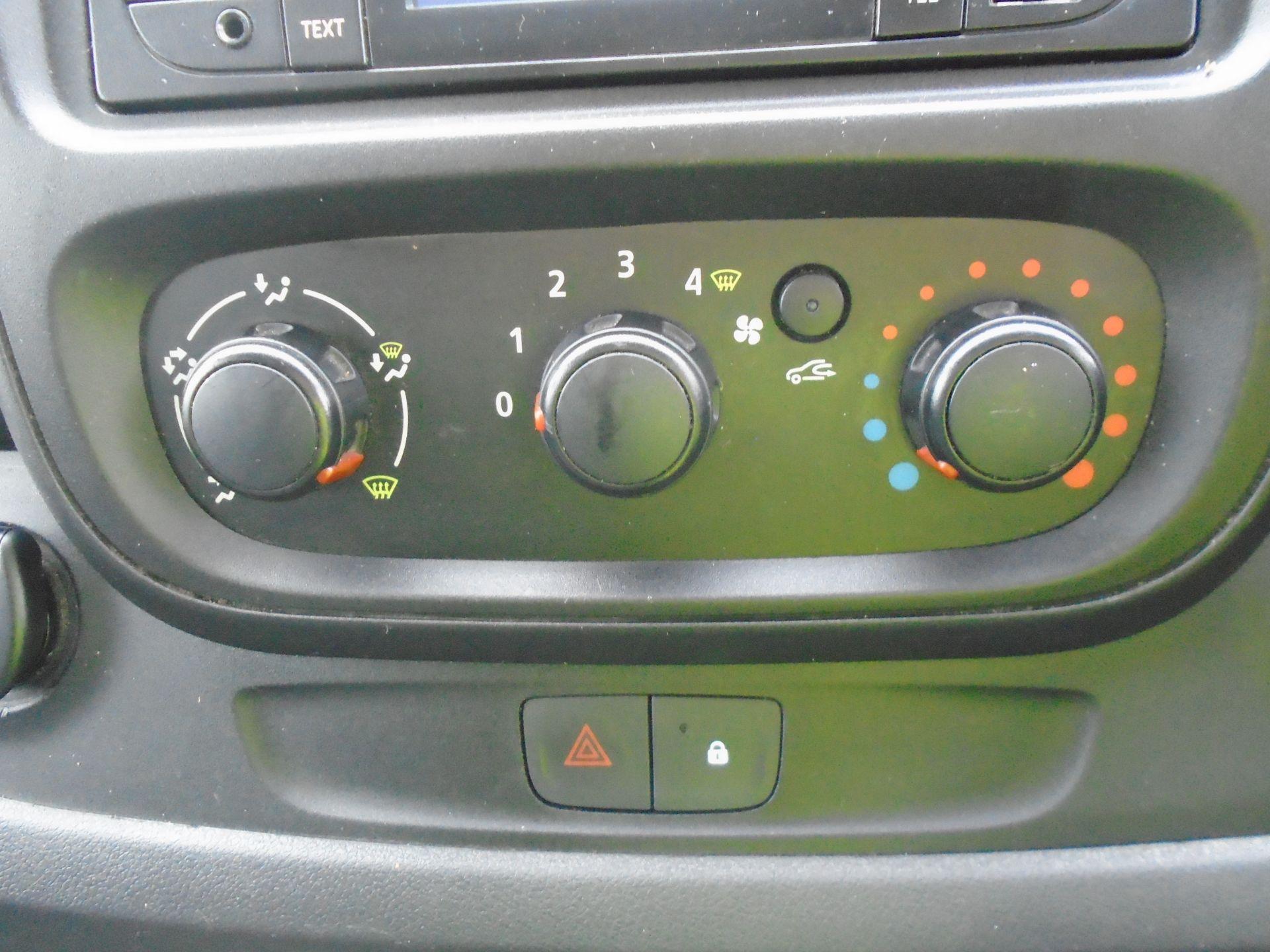 2015 Vauxhall Vivaro 2900 1.6Cdti 115Ps H1 Combi 9 Seat (DX65WTV) Image 30