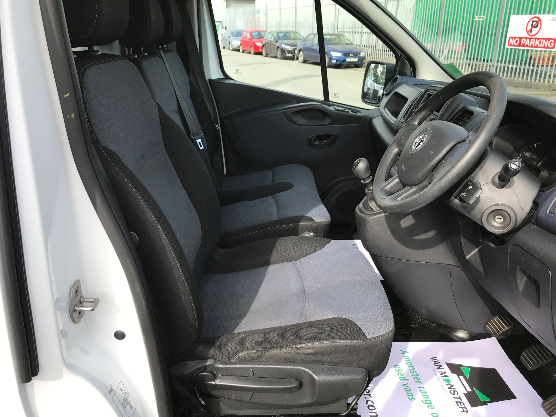2015 Vauxhall Vivaro 2900 L2 H1 1.6CDTI 115PS (DX65WVZ) Image 12