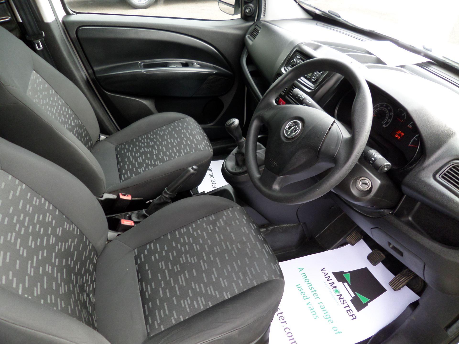 2015 Vauxhall Combo 2000 1.3 Cdti 16V H1 Van Euro 5 (DX65WXE) Image 2