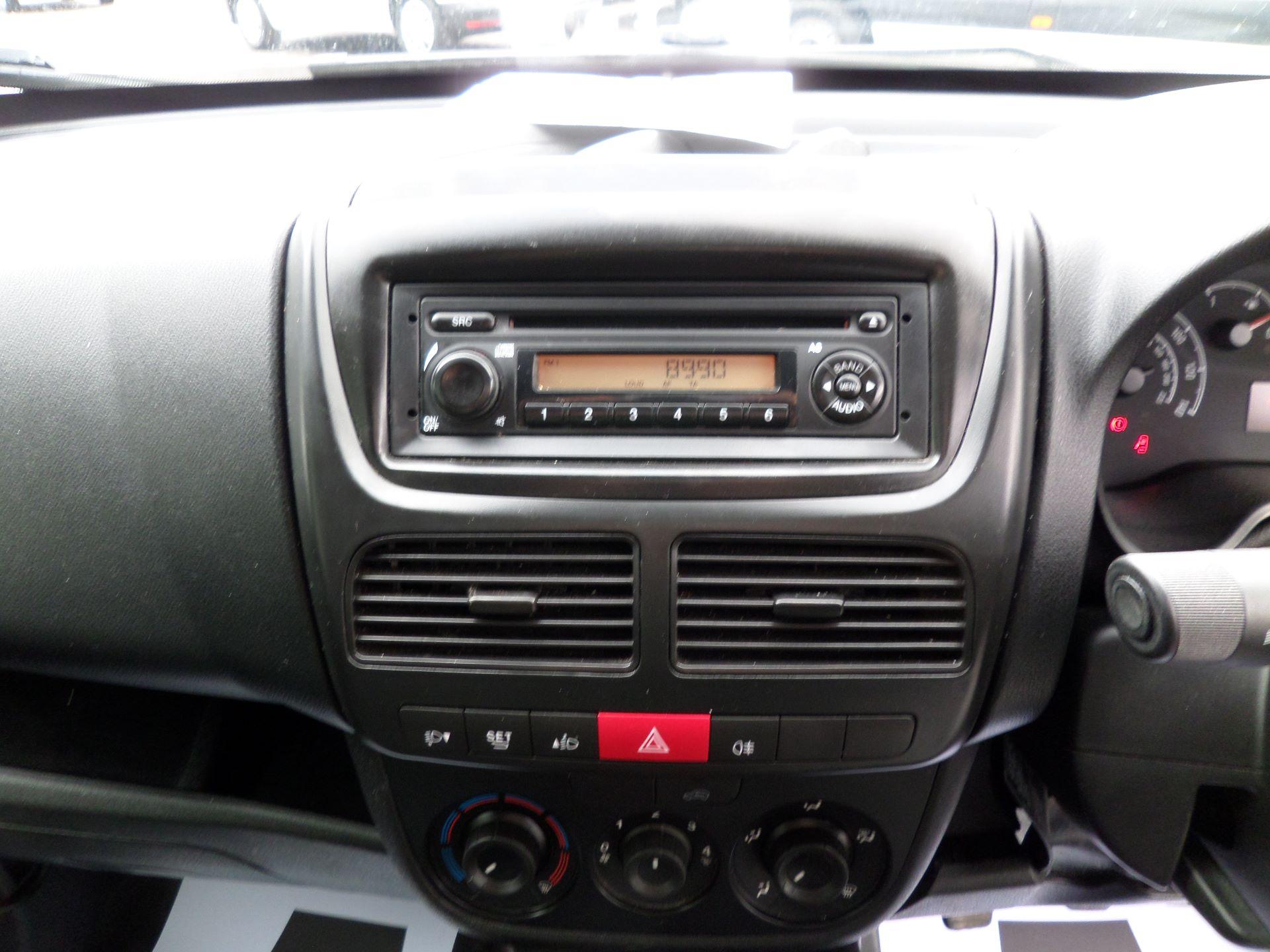 2015 Vauxhall Combo 2000 1.3 Cdti 16V H1 Van Euro 5 (DX65WXE) Image 3