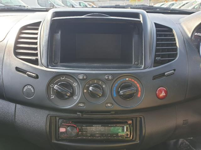 2015 Mitsubishi L200 LWB LB D/CAB DI-D 4LIFE 134BHP EURO 5 (DY15VHC) Image 20