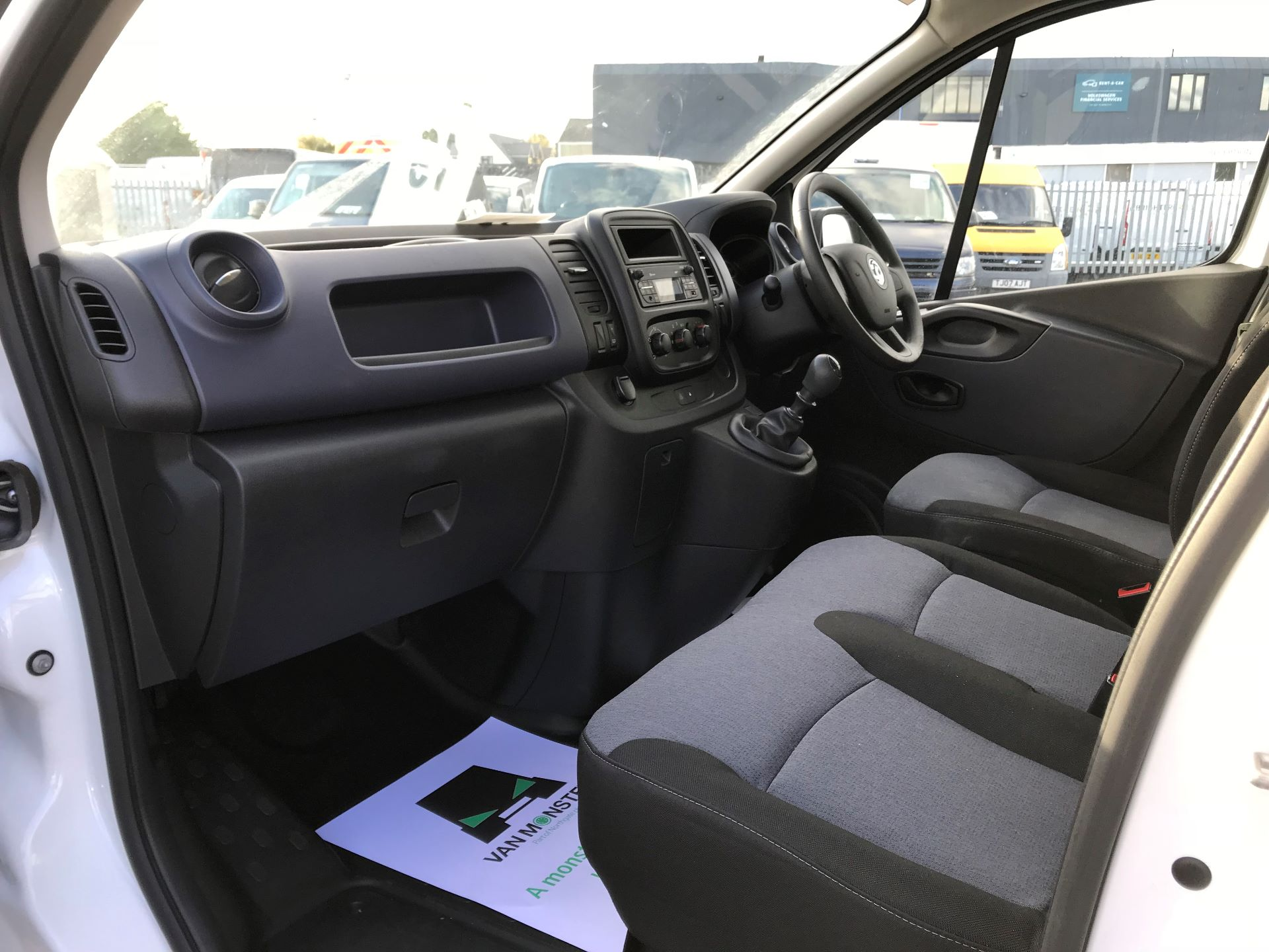 2017 Vauxhall Vivaro  L2 H1 2900 1.6 CDTI 120PS EURO 6 (DY17UFG) Image 18