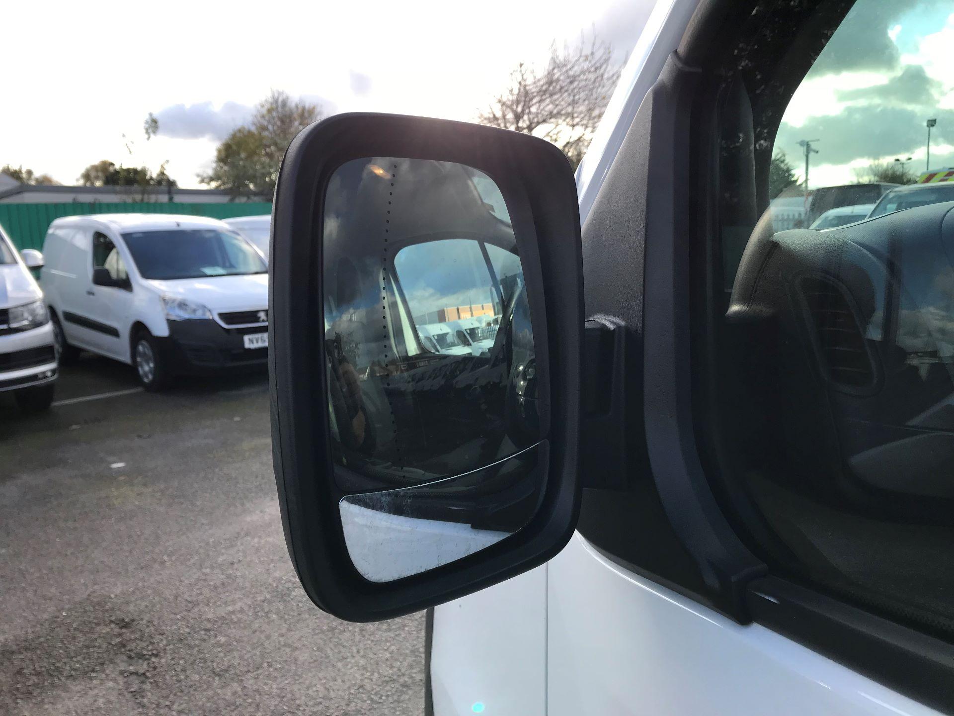 2017 Vauxhall Vivaro  L2 H1 2900 1.6 CDTI 120PS EURO 6 (DY17UFG) Image 11