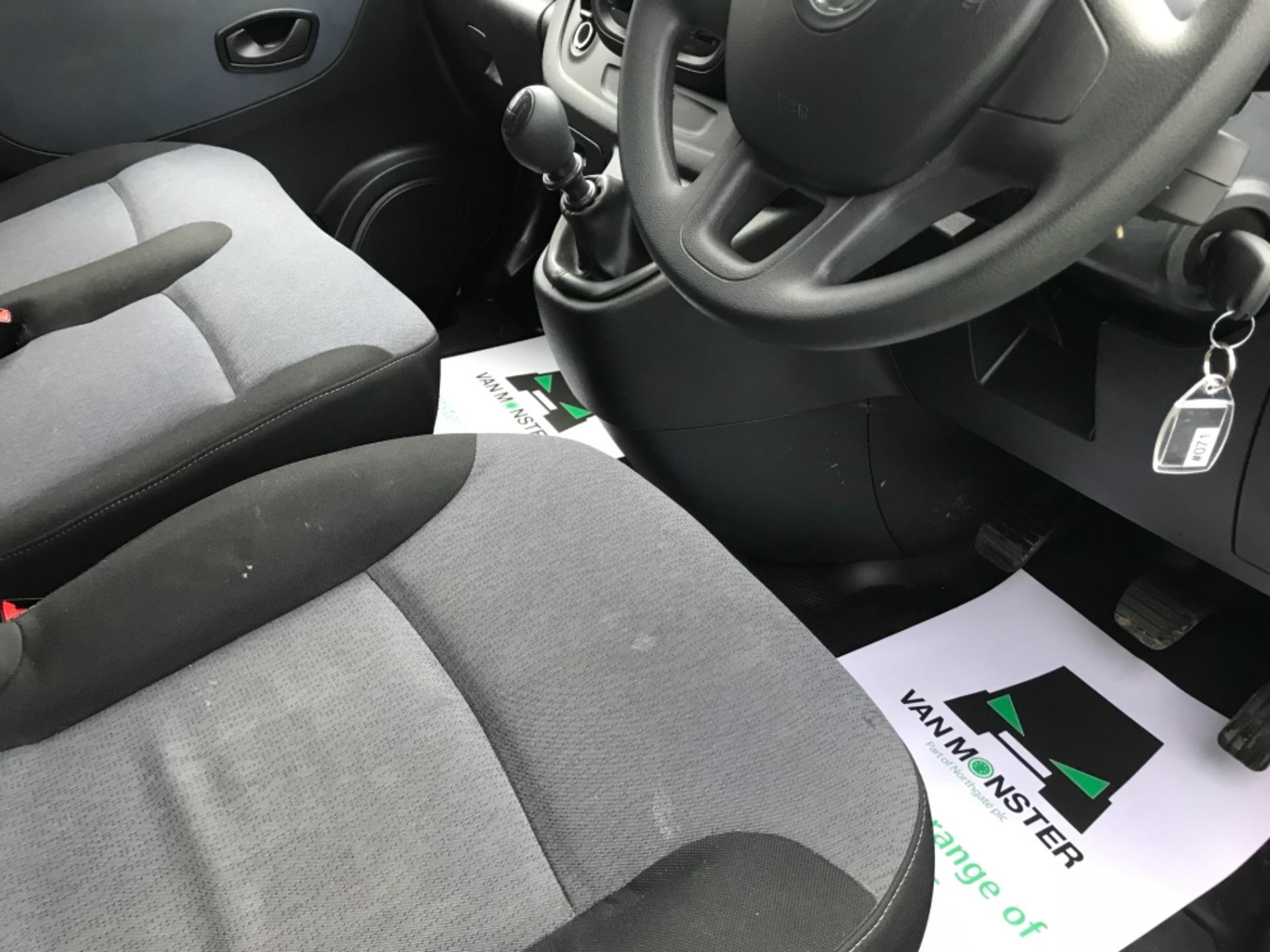 2017 Vauxhall Vivaro 2900 1.6Cdti Biturbo 125Ps H1 Combi 9 Seat Euro 6 (DY17UGF) Image 9