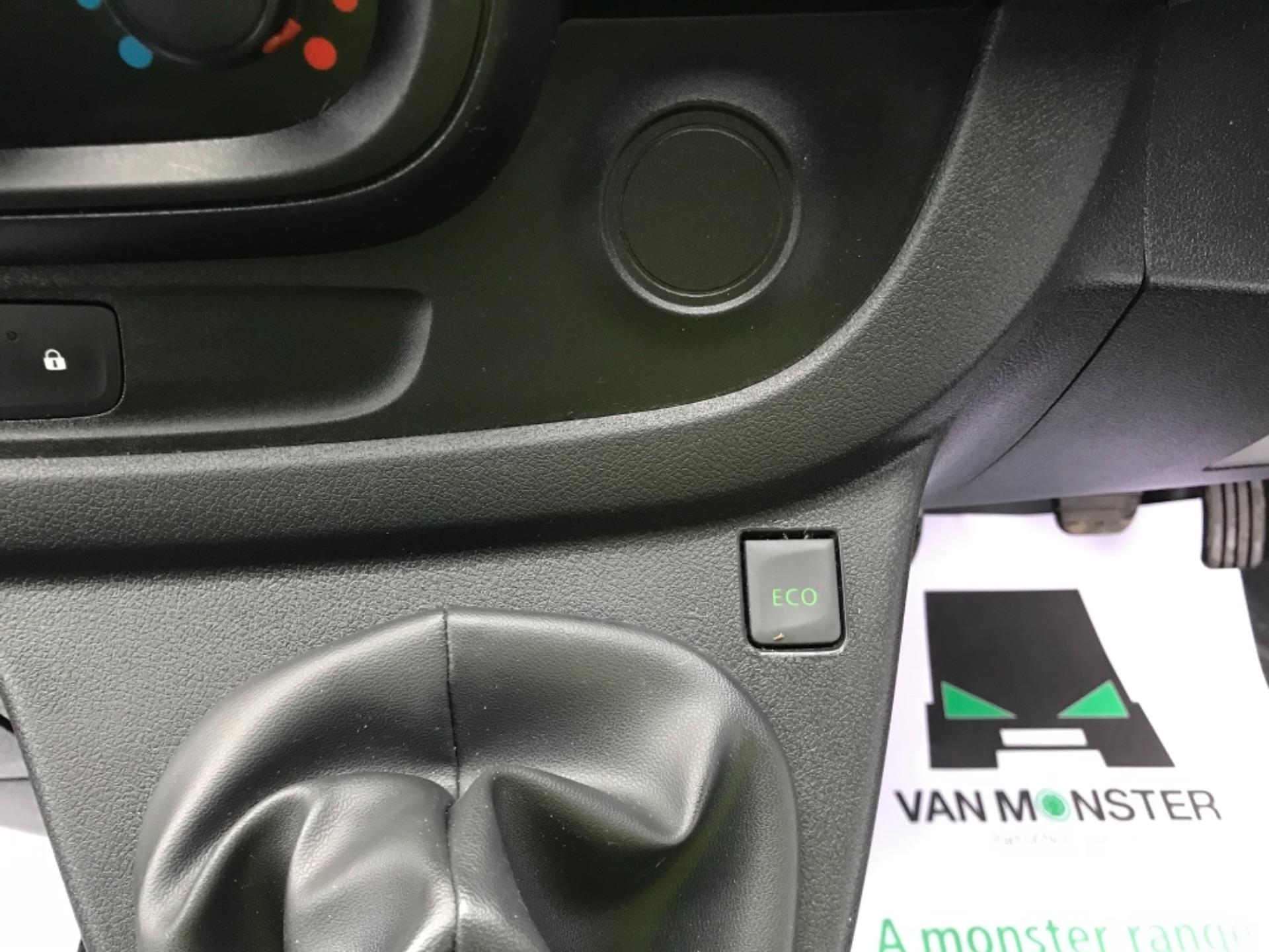 2017 Vauxhall Vivaro 2900 1.6Cdti Biturbo 125Ps H1 Combi 9 Seat Euro 6 (DY17UGF) Image 13
