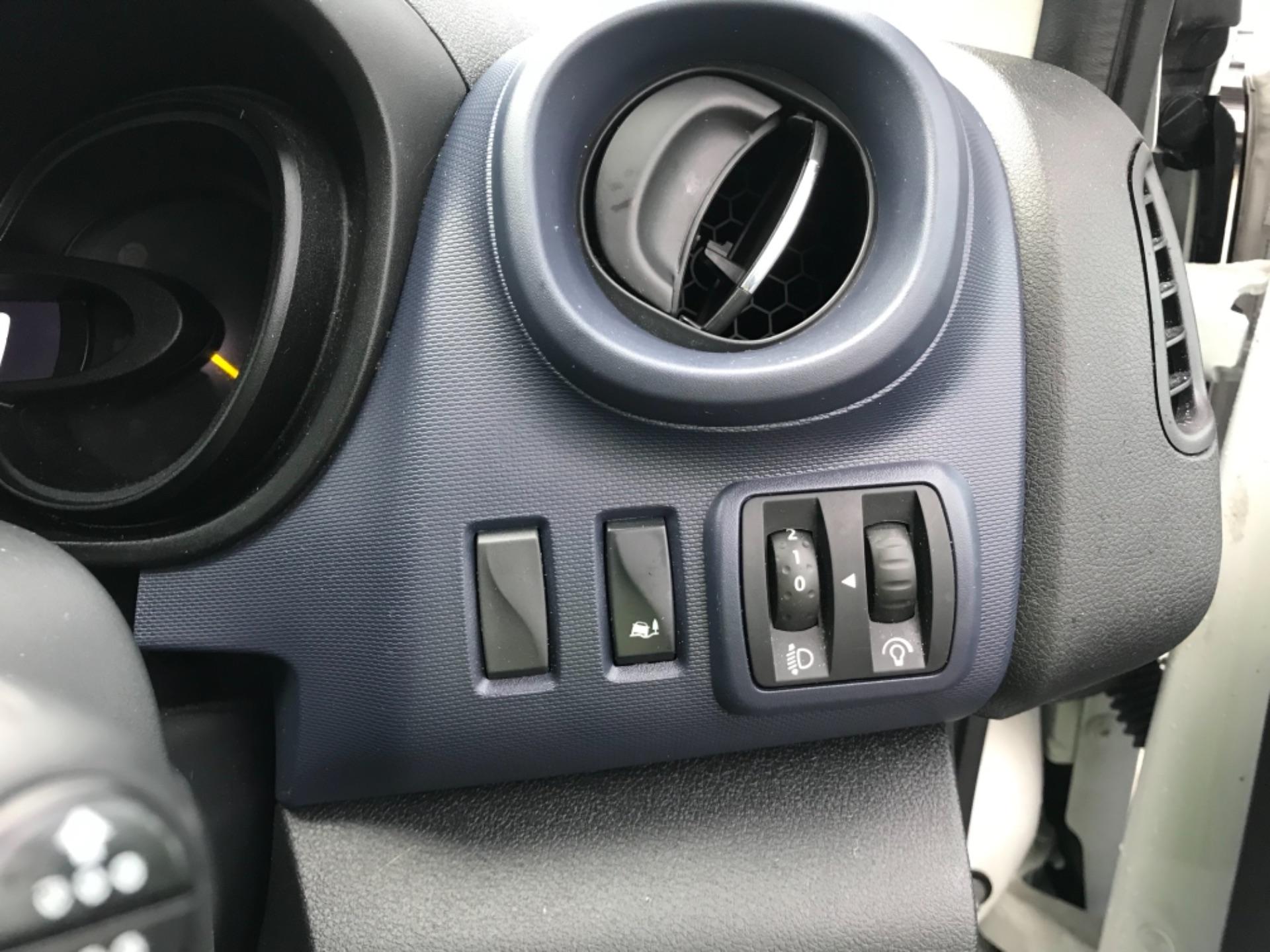 2017 Vauxhall Vivaro 2900 1.6Cdti Biturbo 125Ps H1 Combi 9 Seat Euro 6 (DY17UGF) Image 19