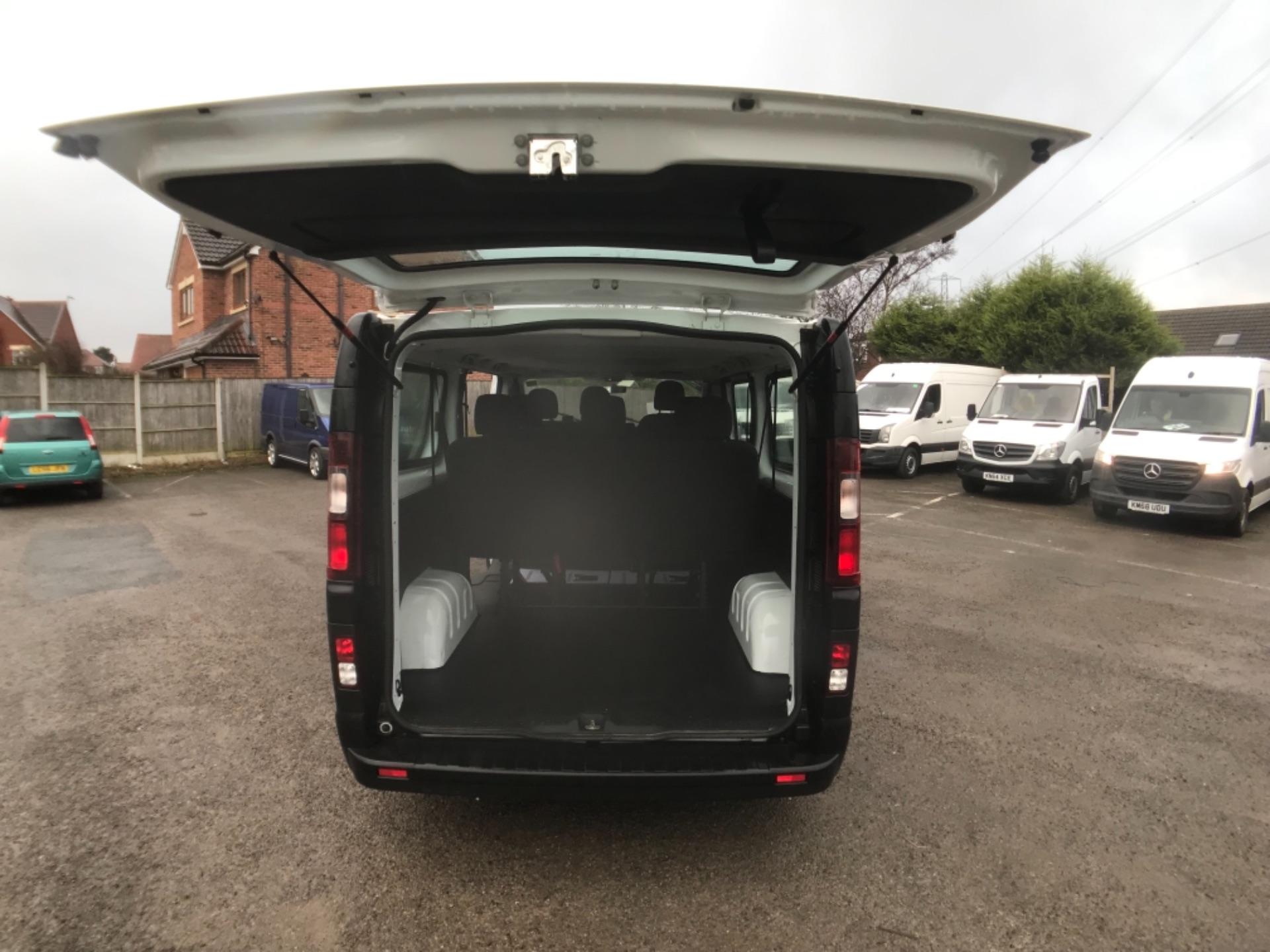 2017 Vauxhall Vivaro 2900 1.6Cdti Biturbo 125Ps H1 Combi 9 Seat Euro 6 (DY17UGF) Image 24