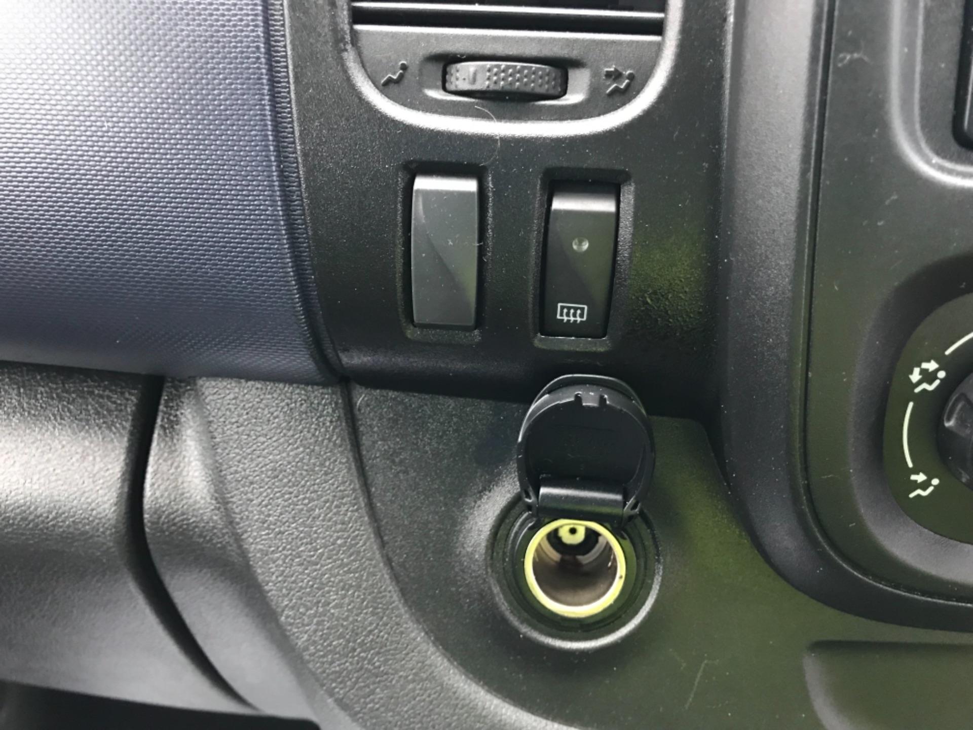 2017 Vauxhall Vivaro 2900 1.6Cdti Biturbo 125Ps H1 Combi 9 Seat Euro 6 (DY17UGF) Image 15