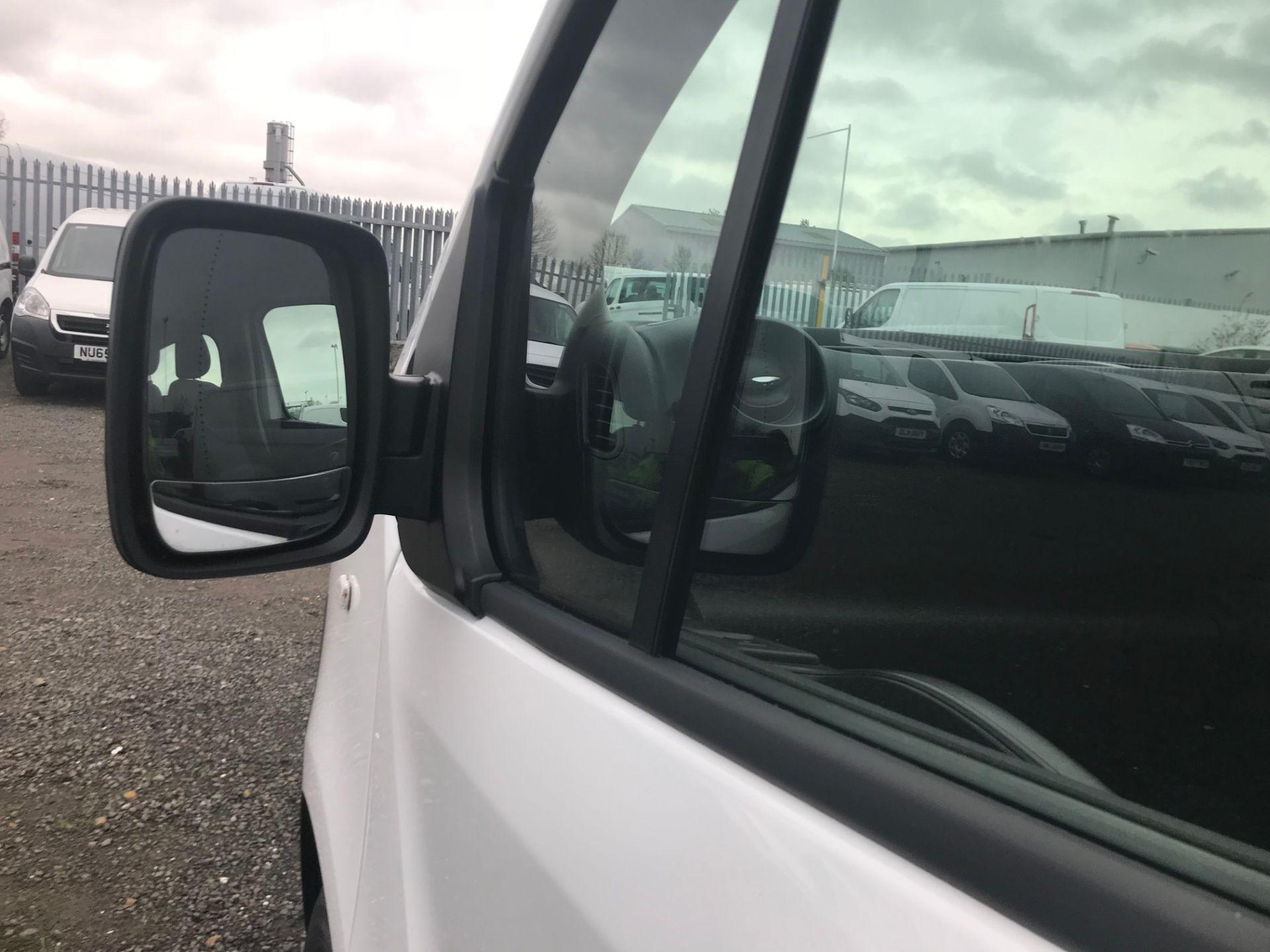 2017 Vauxhall Vivaro 2900 1.6Cdti Biturbo 125Ps H1 Combi 9 Seat (DY17UGS) Image 18