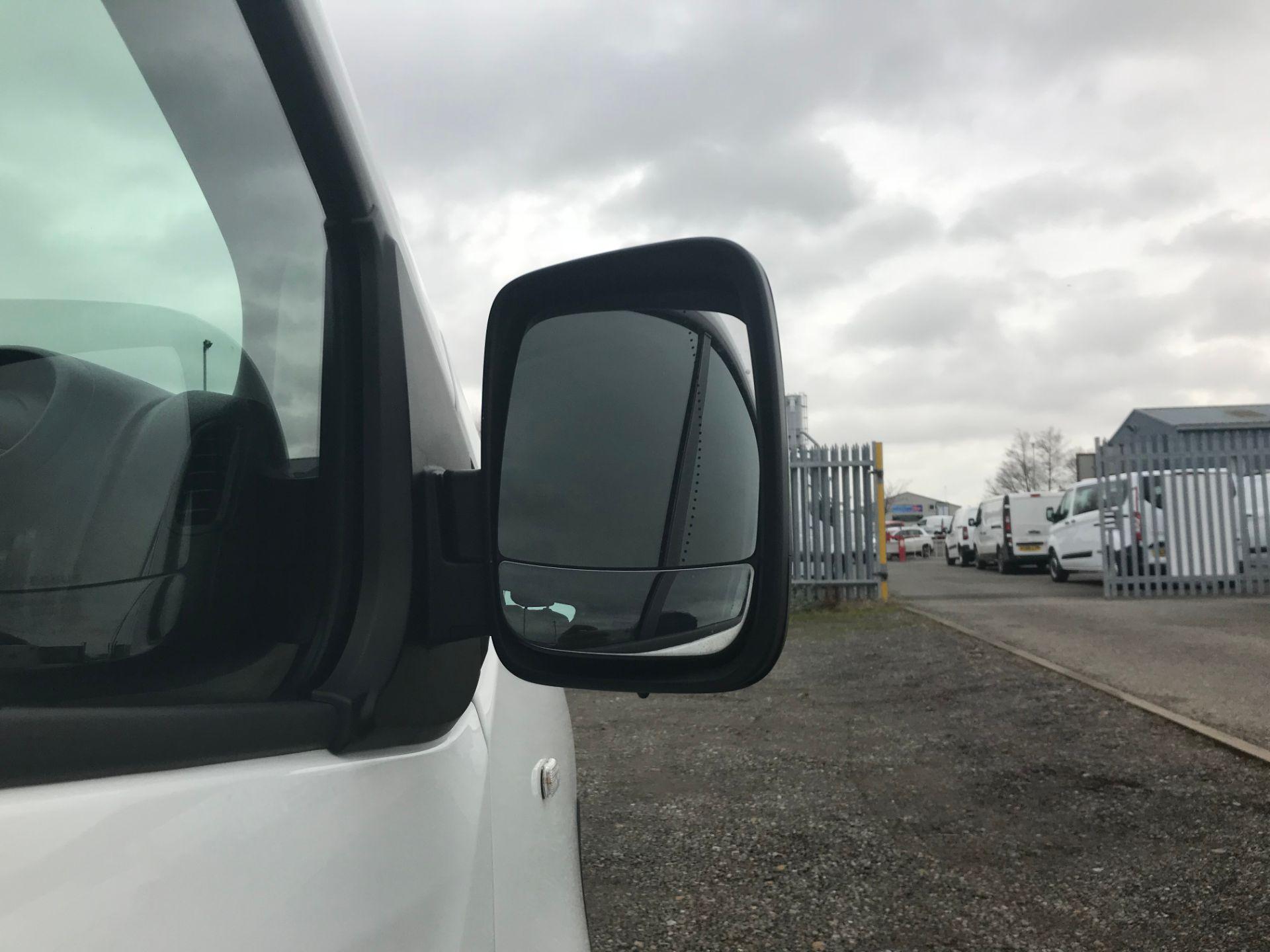 2017 Vauxhall Vivaro 2900 1.6Cdti Biturbo 125Ps H1 Combi 9 Seat (DY17UGS) Image 17