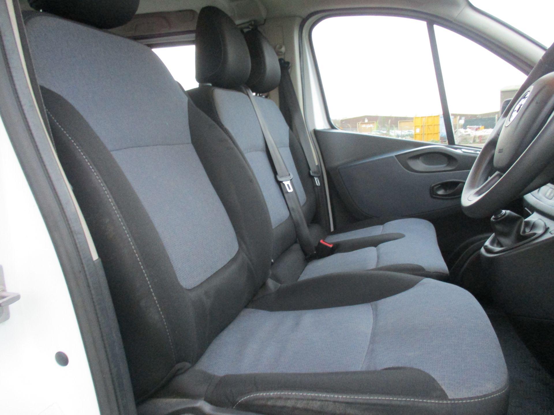 2017 Vauxhall Vivaro L2 H1 2900 1.6 CDTI 125PS BI TURBO 9 SEATER COMBI EURO 6. VAT INC (DY17UJE) Image 13