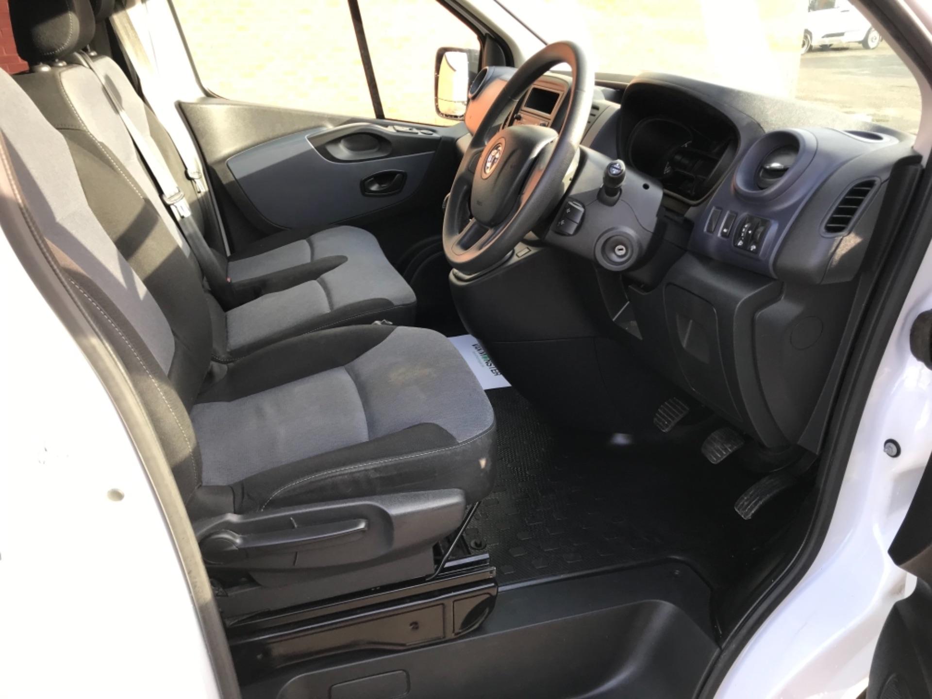 2017 Vauxhall Vivaro 2900 1.6Cdti Biturbo 125Ps H1 Combi 9 Seat EURO 6  (DY17USB) Image 9