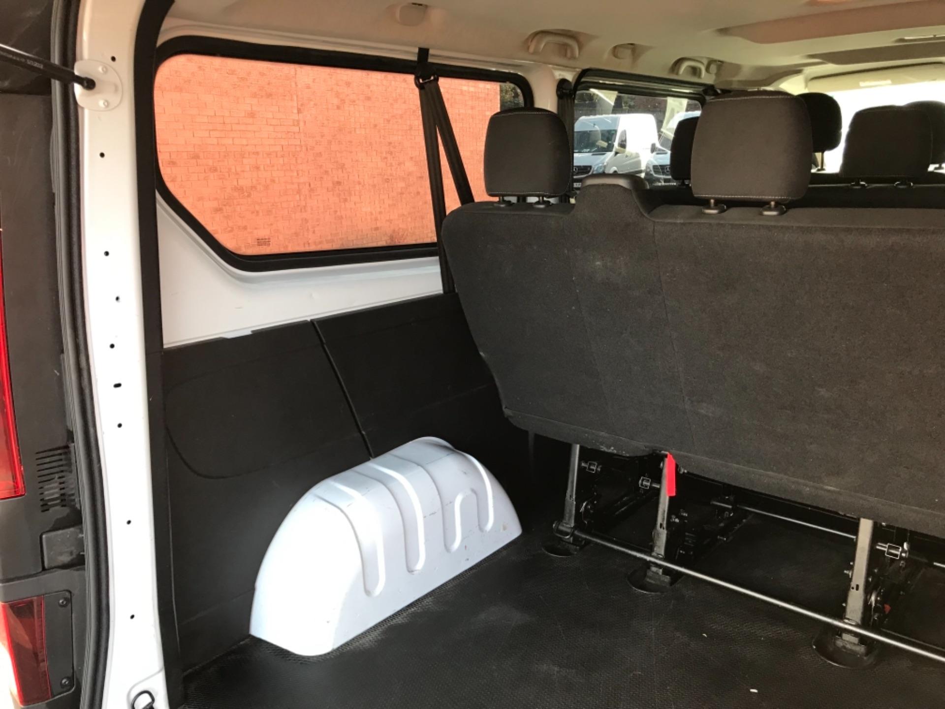 2017 Vauxhall Vivaro 2900 1.6Cdti Biturbo 125Ps H1 Combi 9 Seat EURO 6  (DY17USB) Image 31