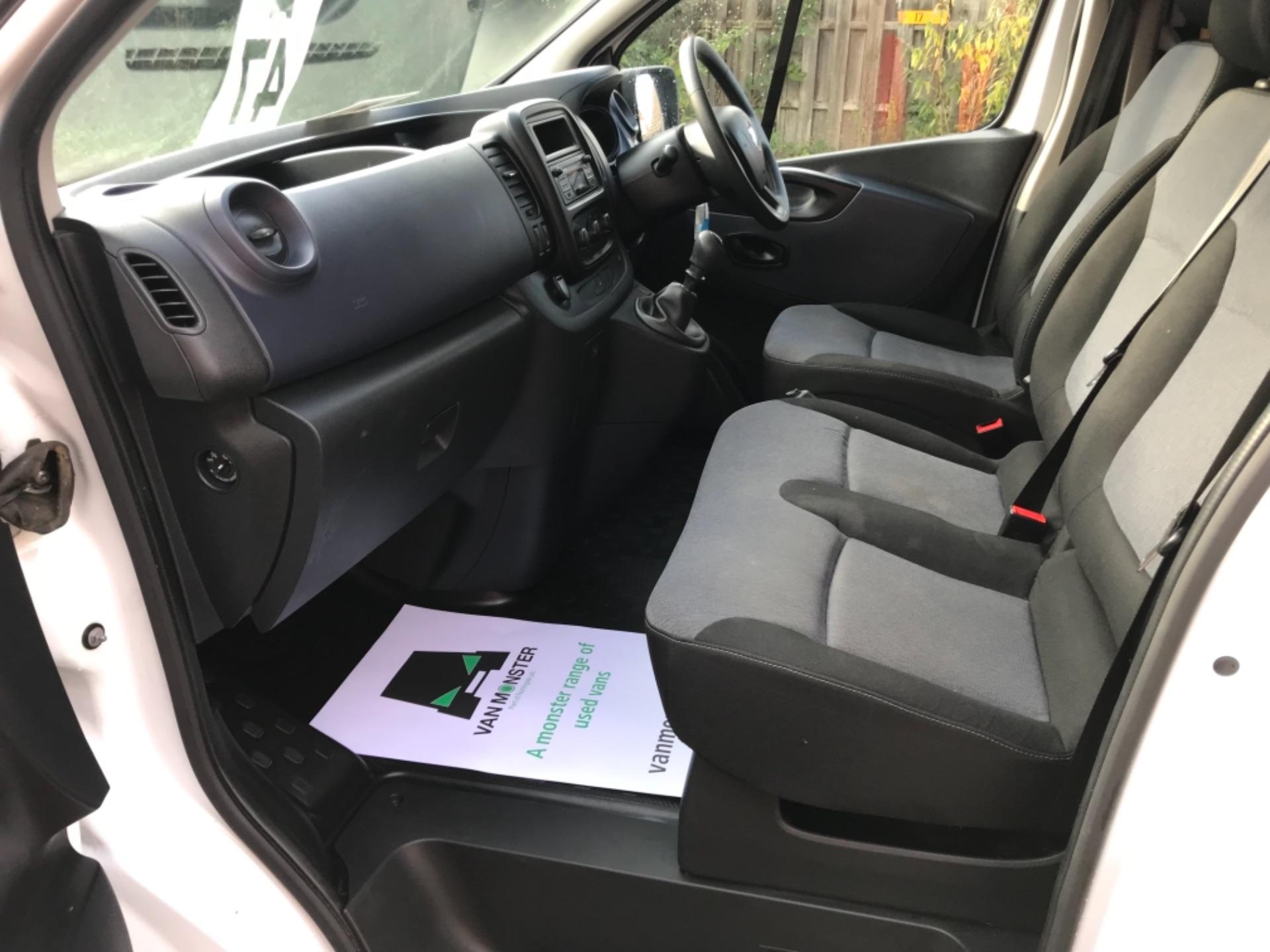 2017 Vauxhall Vivaro 2900 1.6Cdti Biturbo 125Ps H1 Combi 9 Seat EURO 6  (DY17USB) Image 20
