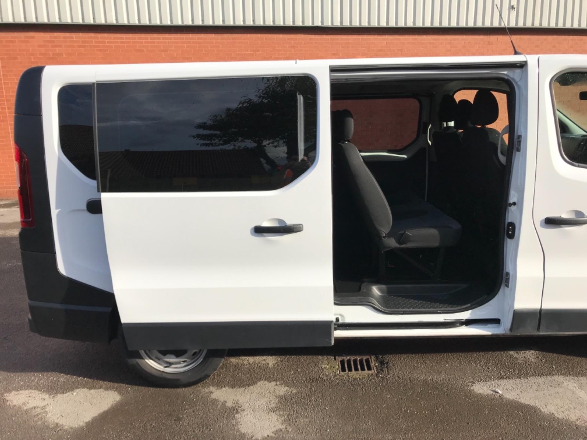 2017 Vauxhall Vivaro 2900 1.6Cdti Biturbo 125Ps H1 Combi 9 Seat EURO 6  (DY17USB) Image 27
