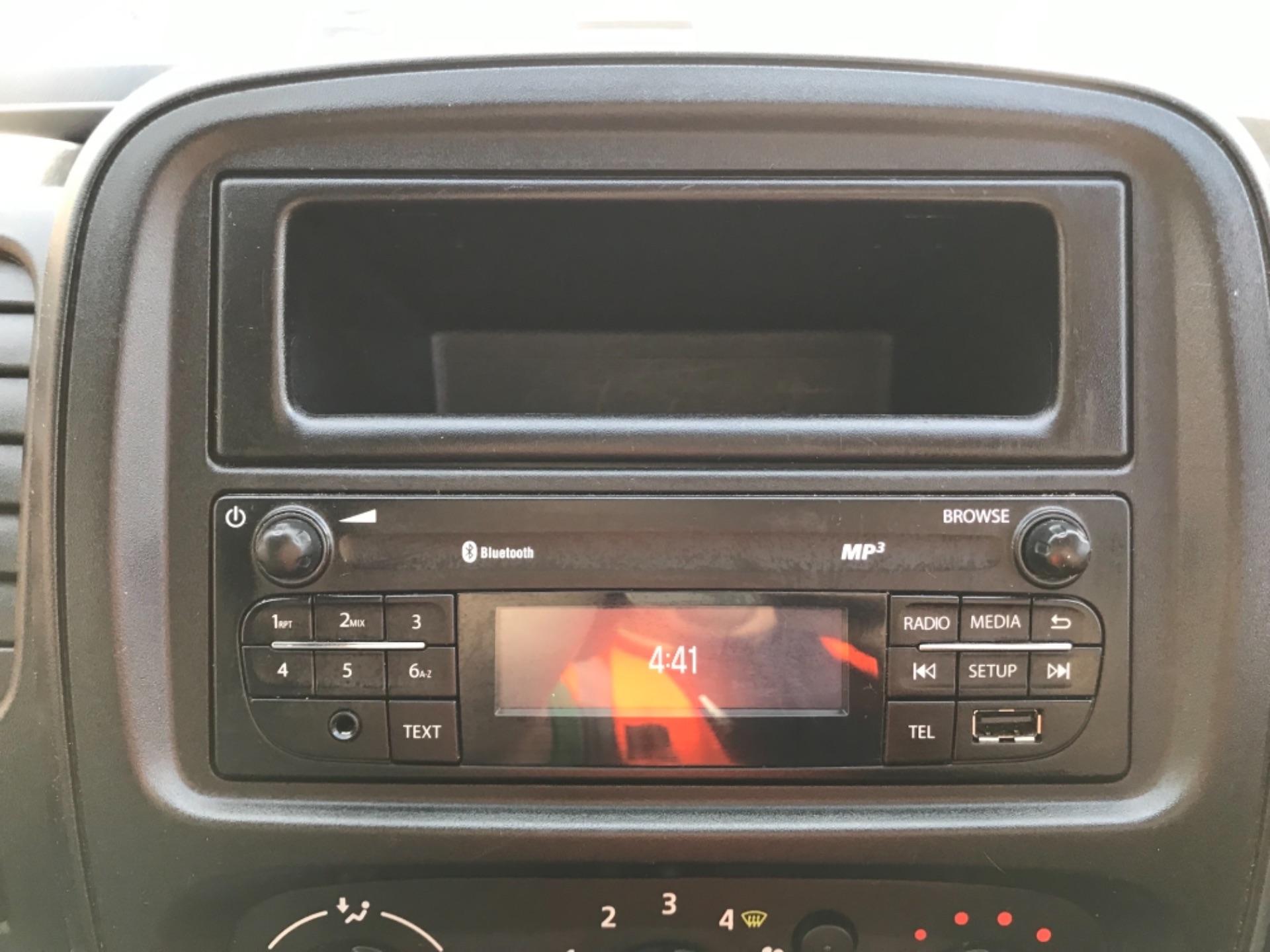 2017 Vauxhall Vivaro 2900 1.6Cdti Biturbo 125Ps H1 Combi 9 Seat EURO 6  (DY17USB) Image 17