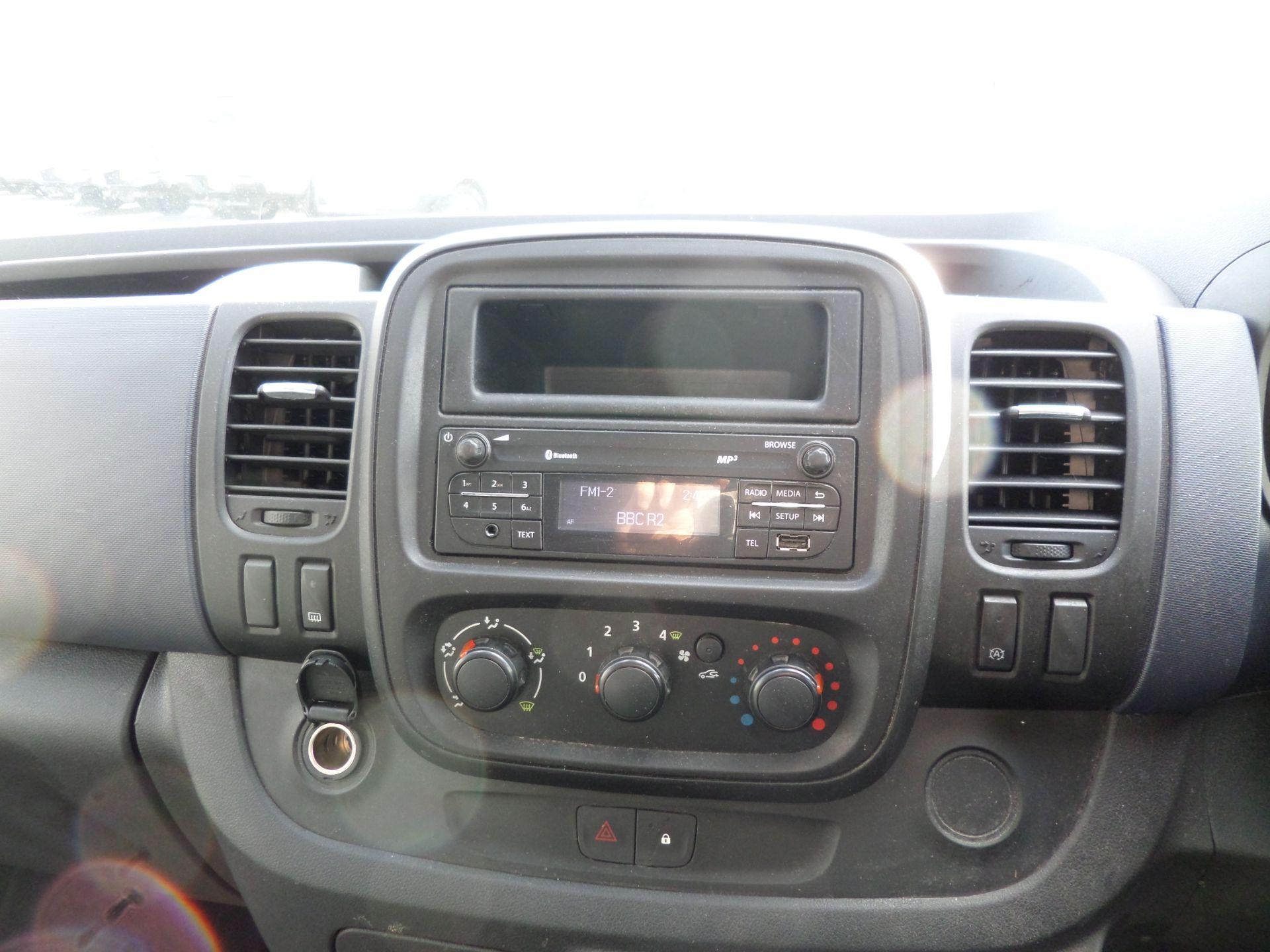2017 Vauxhall Vivaro 2900 1.6Cdti Biturbo 125Ps H1 Combi 9 Seat (NO VAT) 70mph Limited (DY17UTV) Image 13