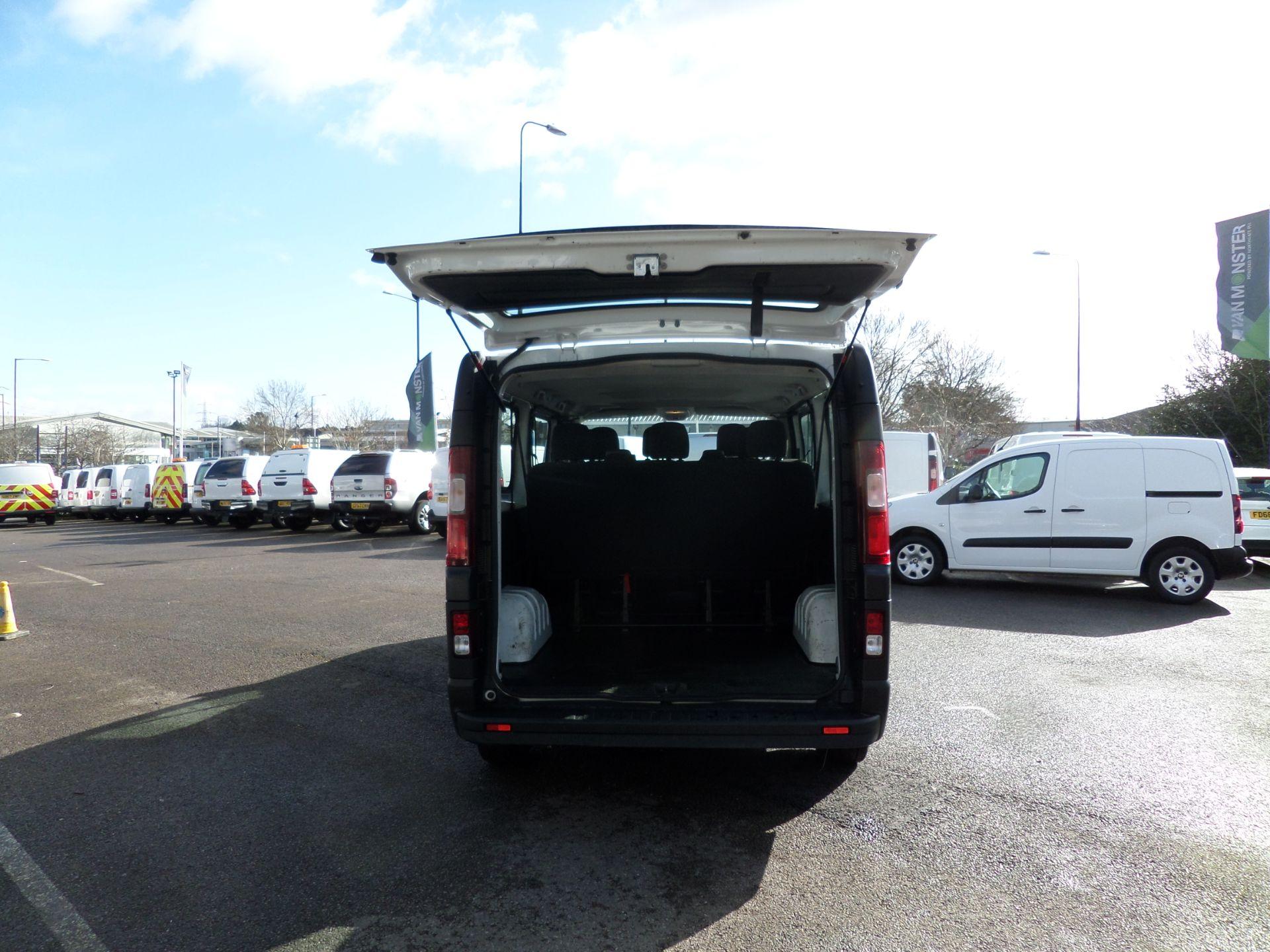 2017 Vauxhall Vivaro 2900 1.6Cdti Biturbo 125Ps H1 Combi 9 Seat (NO VAT) 70mph Limited (DY17UTV) Image 4