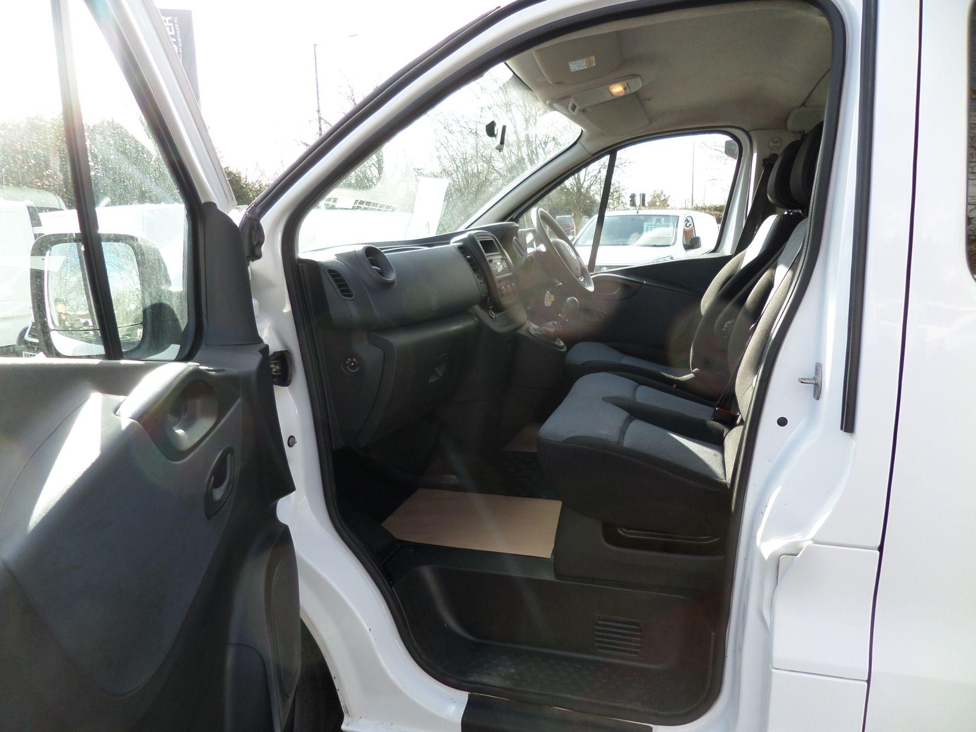 2017 Vauxhall Vivaro 2900 1.6Cdti Biturbo 125Ps H1 Combi 9 Seat (NO VAT) 70mph Limited (DY17UTV) Image 8