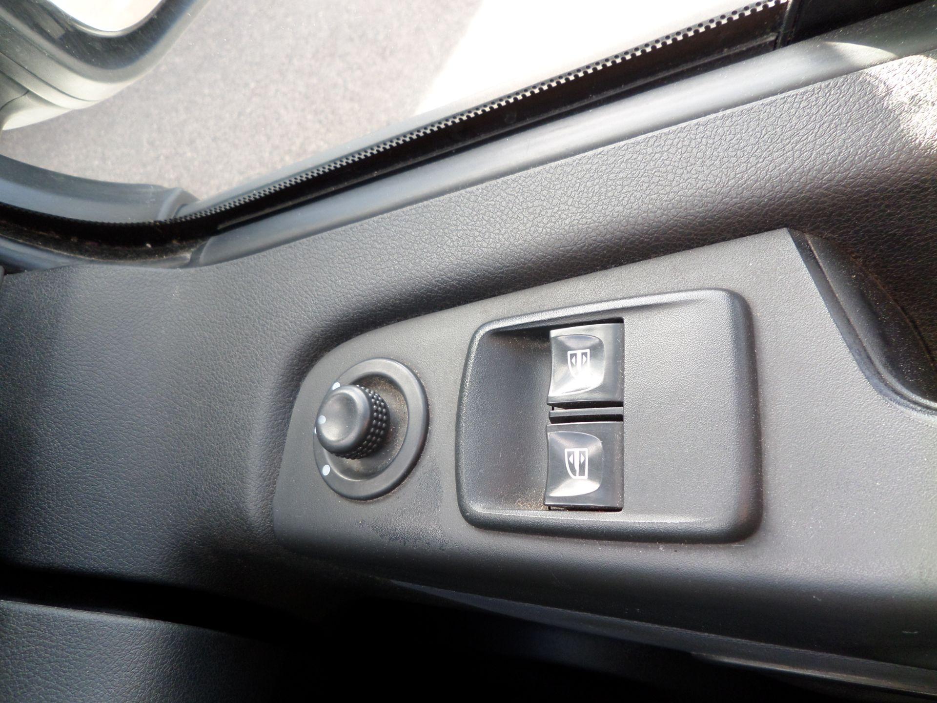 2017 Vauxhall Vivaro 2900 1.6Cdti Biturbo 125Ps H1 Combi 9 Seat (NO VAT) 70mph Limited (DY17UTV) Image 17