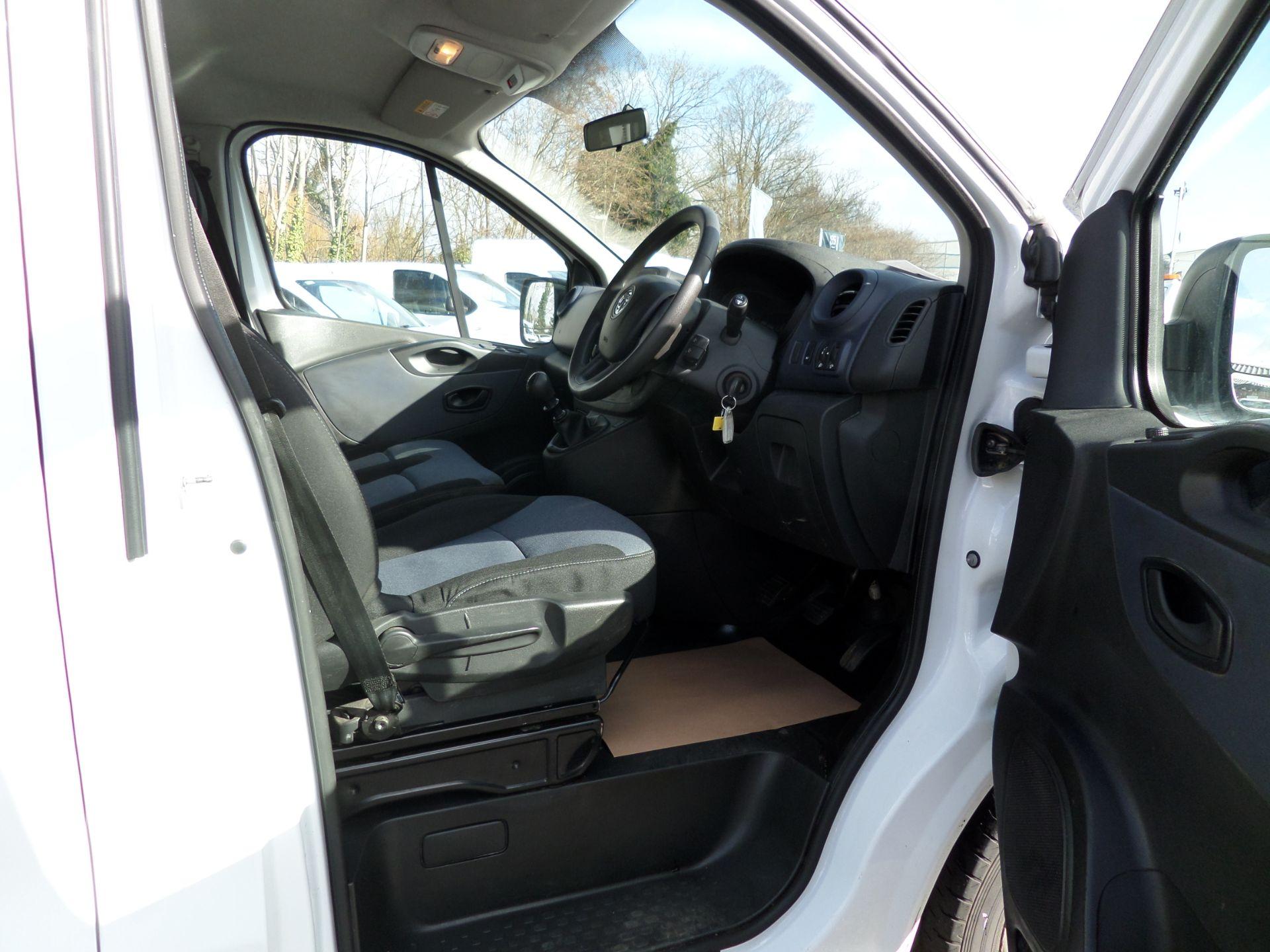 2017 Vauxhall Vivaro 2900 1.6Cdti Biturbo 125Ps H1 Combi 9 Seat (NO VAT) 70mph Limited (DY17UTV) Image 12