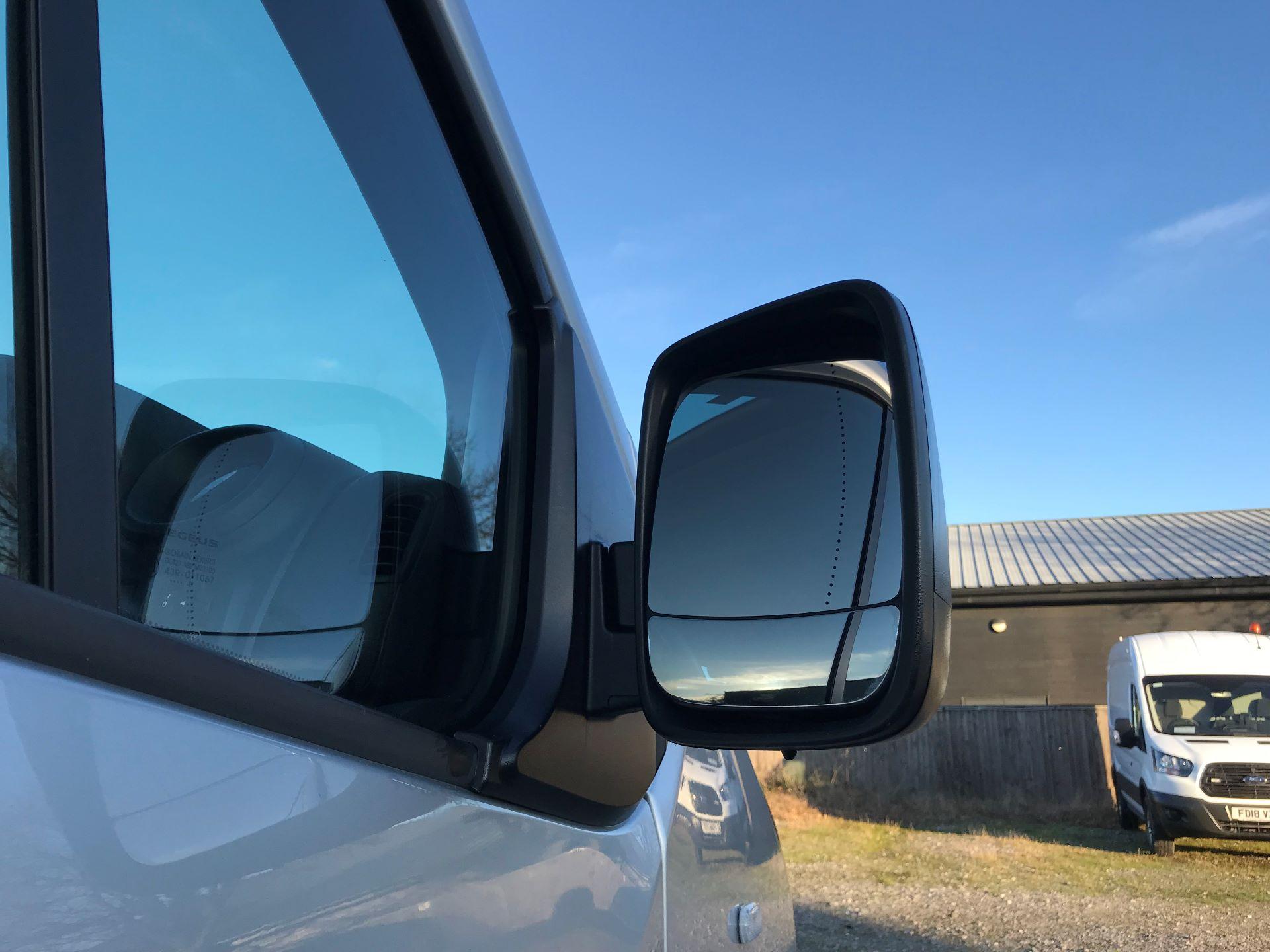 2017 Vauxhall Vivaro 2900 1.6Cdti Biturbo 125Ps H1 Combi 9 Seat (DY17UVM) Image 14