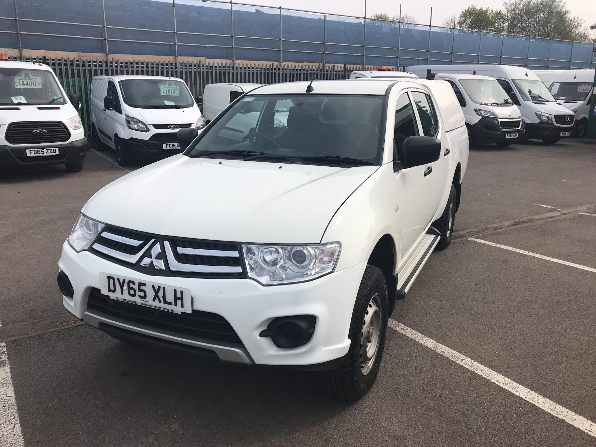2015 Mitsubishi L200 Double Cab Di-D 4Life 4Wd 134Bhp *VALUE RANGE VEHICLE CONDITION REFLECTED IN PRICE* (DY65XLH) Image 7