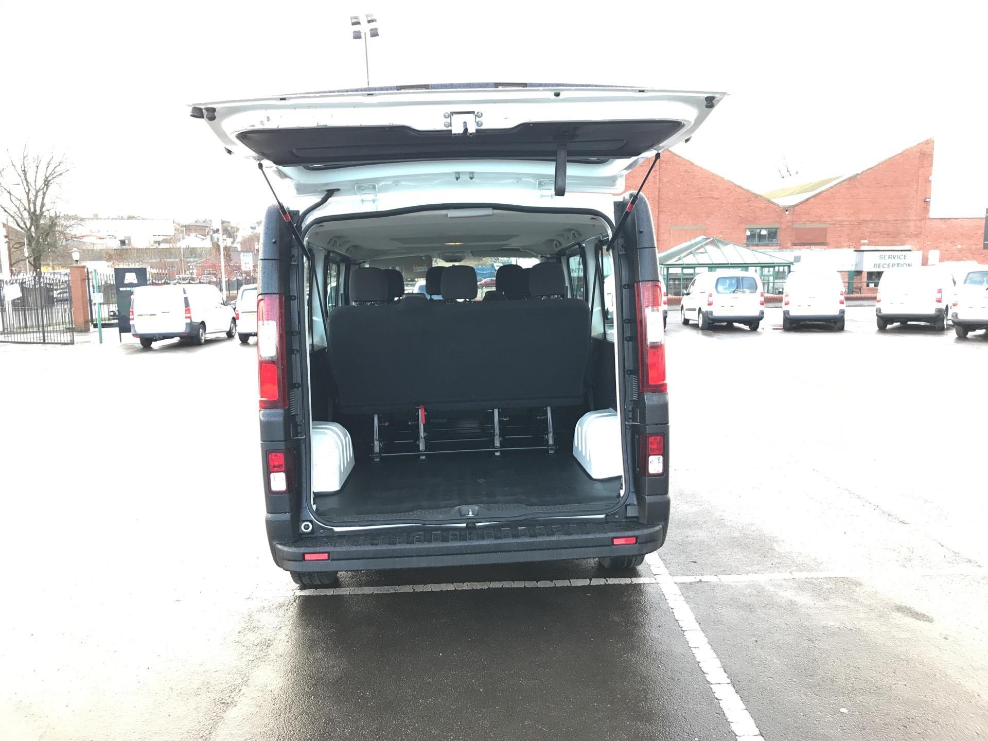 2015 Vauxhall Vivaro  L2 H1 2900 1.6 115PS COMBI 9 SEAT EURO 5. VAT INC (DY65YGT) Image 21