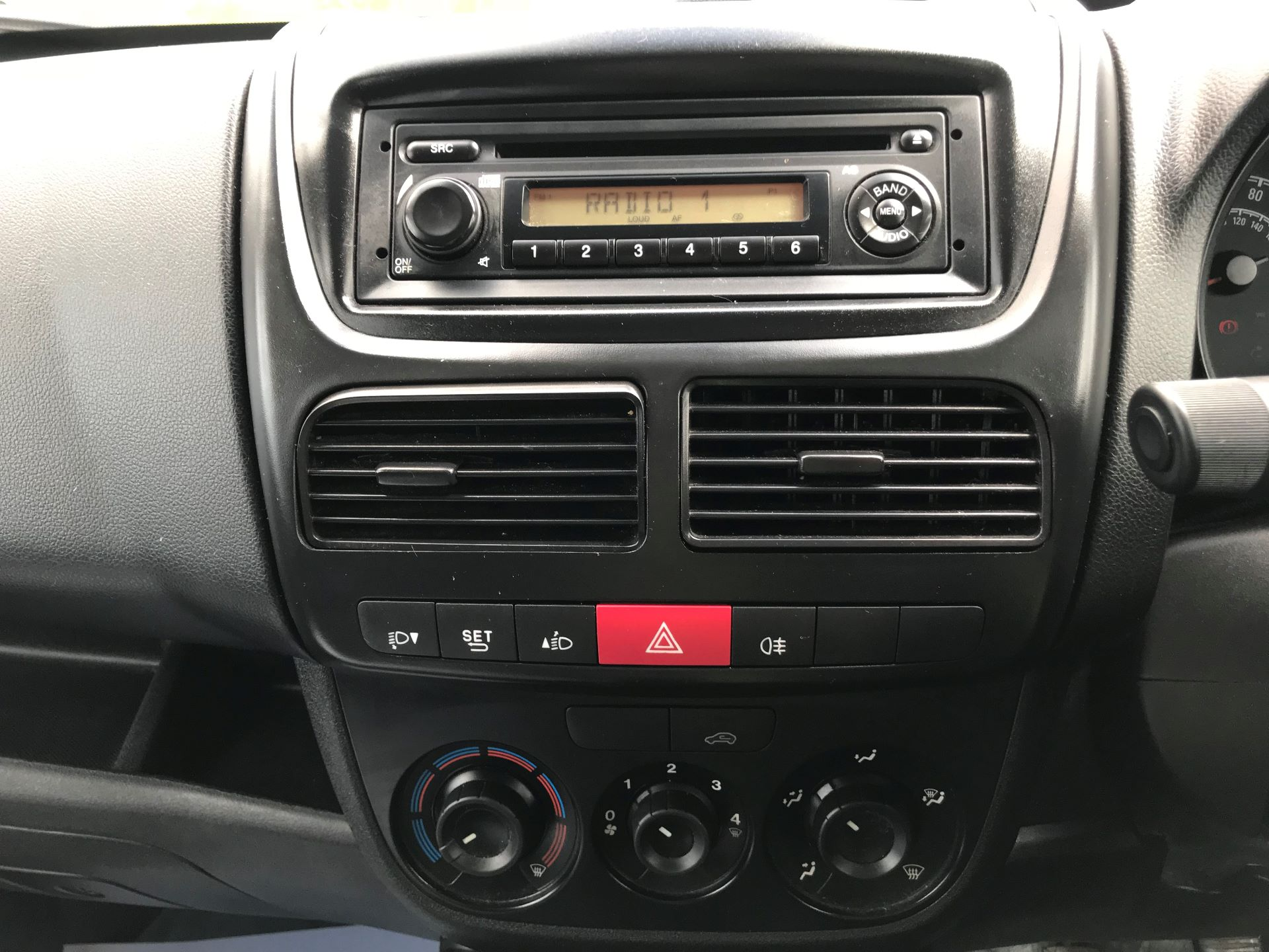 2015 Vauxhall Combo  L1 H1 2000 1.3 16V  EURO 5 (DY65YMK) Image 25