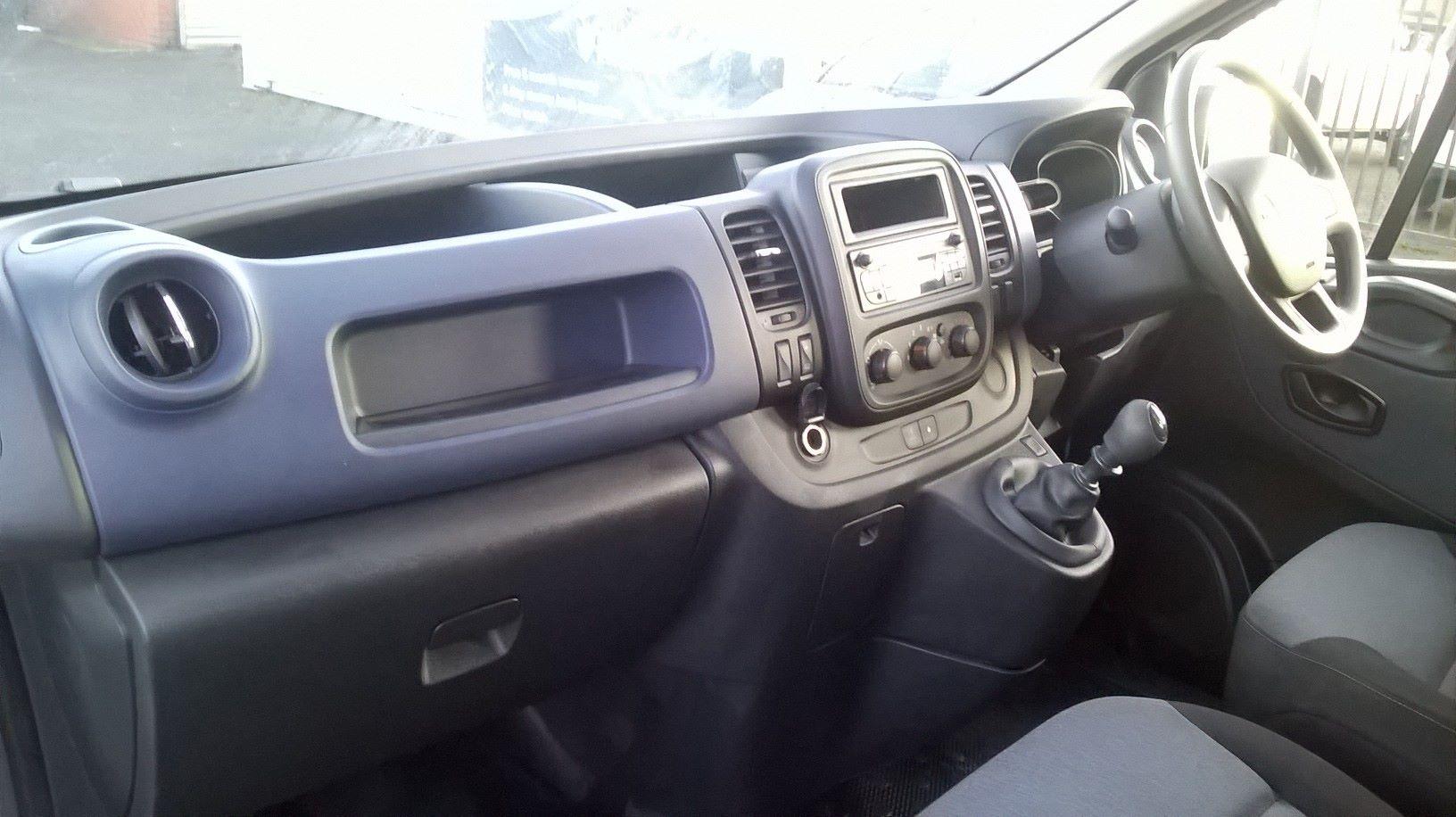2017 Vauxhall Vivaro 2900 1.6CDTI 120Ps H1 D/CAB EURO 6 (DY67DTV) Image 15