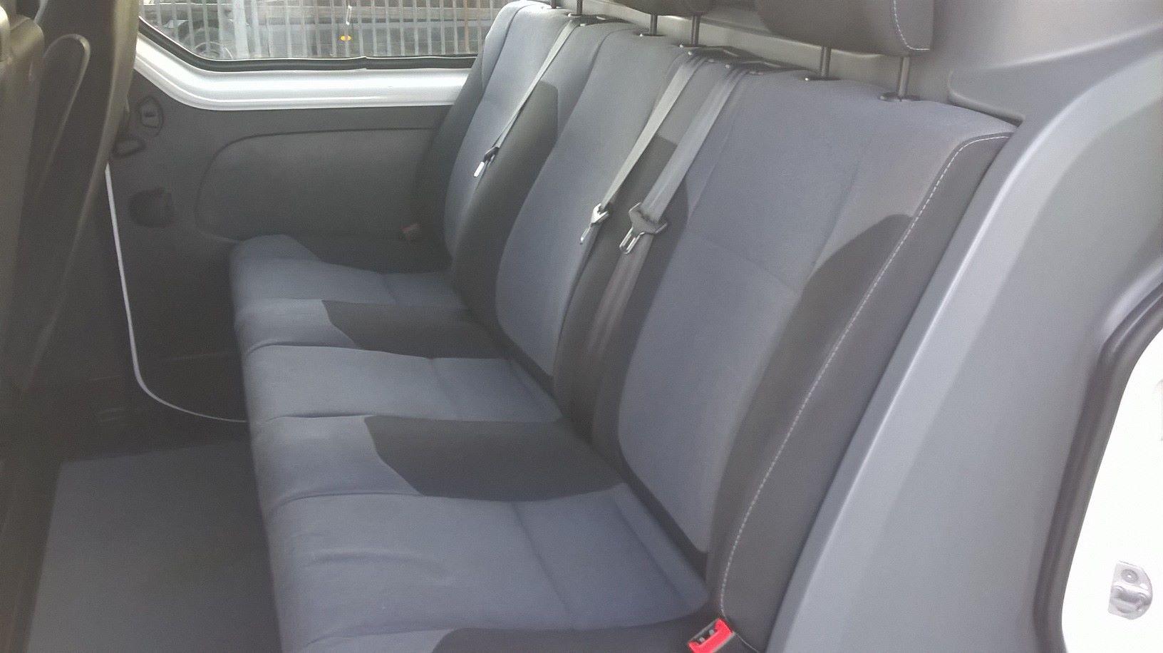2017 Vauxhall Vivaro 2900 1.6CDTI 120Ps H1 D/CAB EURO 6 (DY67DTV) Image 6
